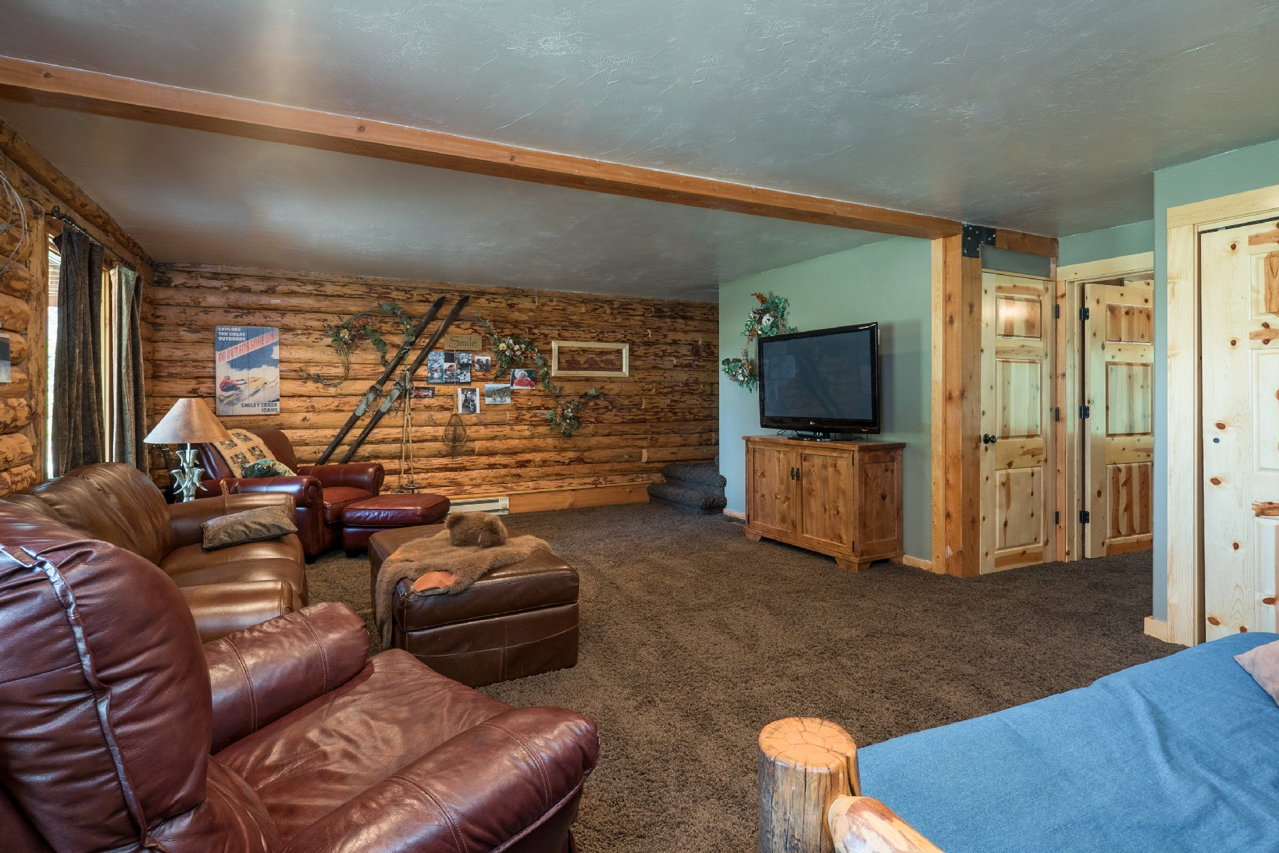 Additional photo for property listing at Smiley Creek Seclusion 213 Skyline Dr Stanley, Idaho 83278 États-Unis