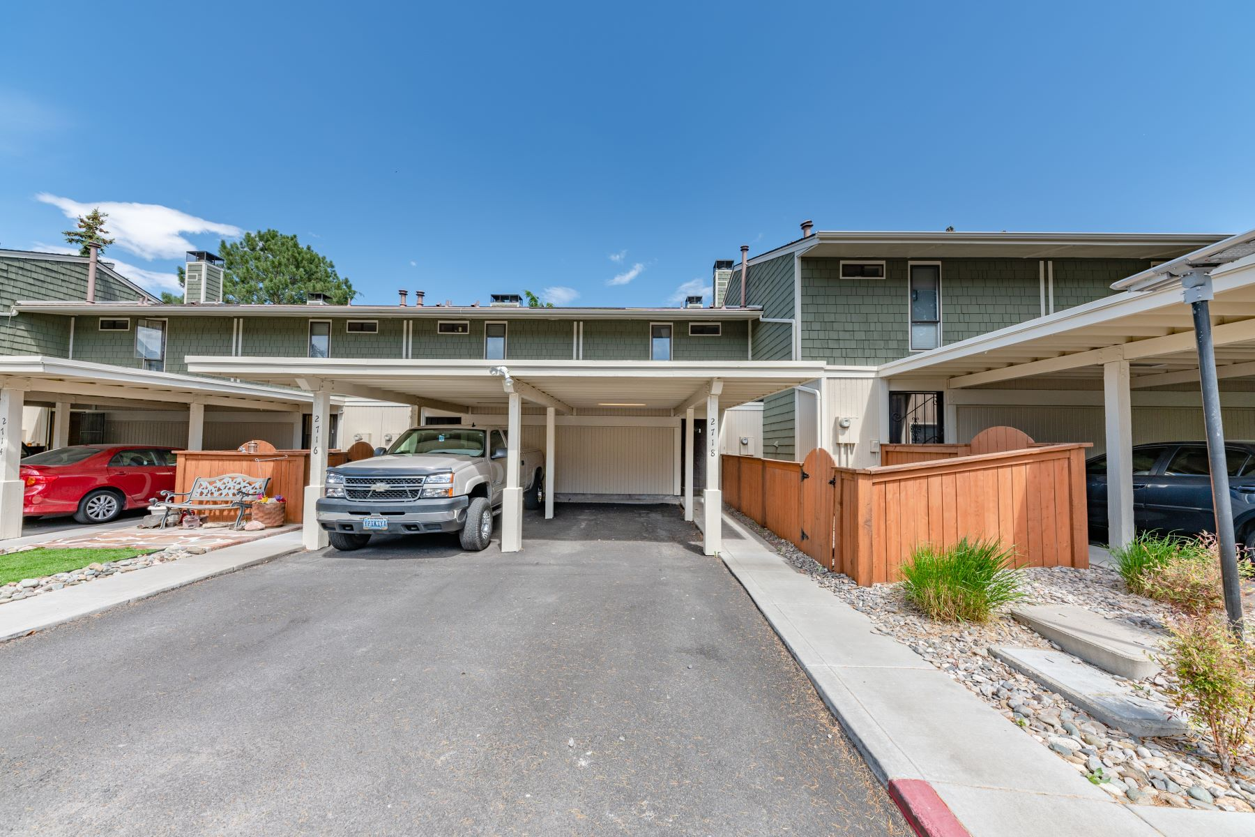 Additional photo for property listing at Virginia Lake Townhouse 2718 Eastshore Pl Reno, Nevada 89509 United States