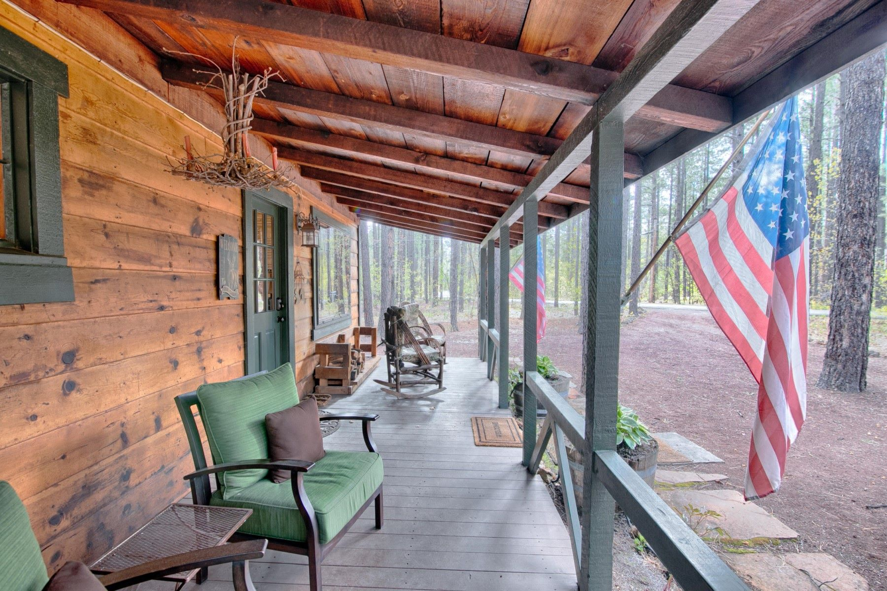 Single Family Homes for Active at Utterly Charming Cabin 3247 Ponderosa PKWY Pinetop, Arizona 85935 United States