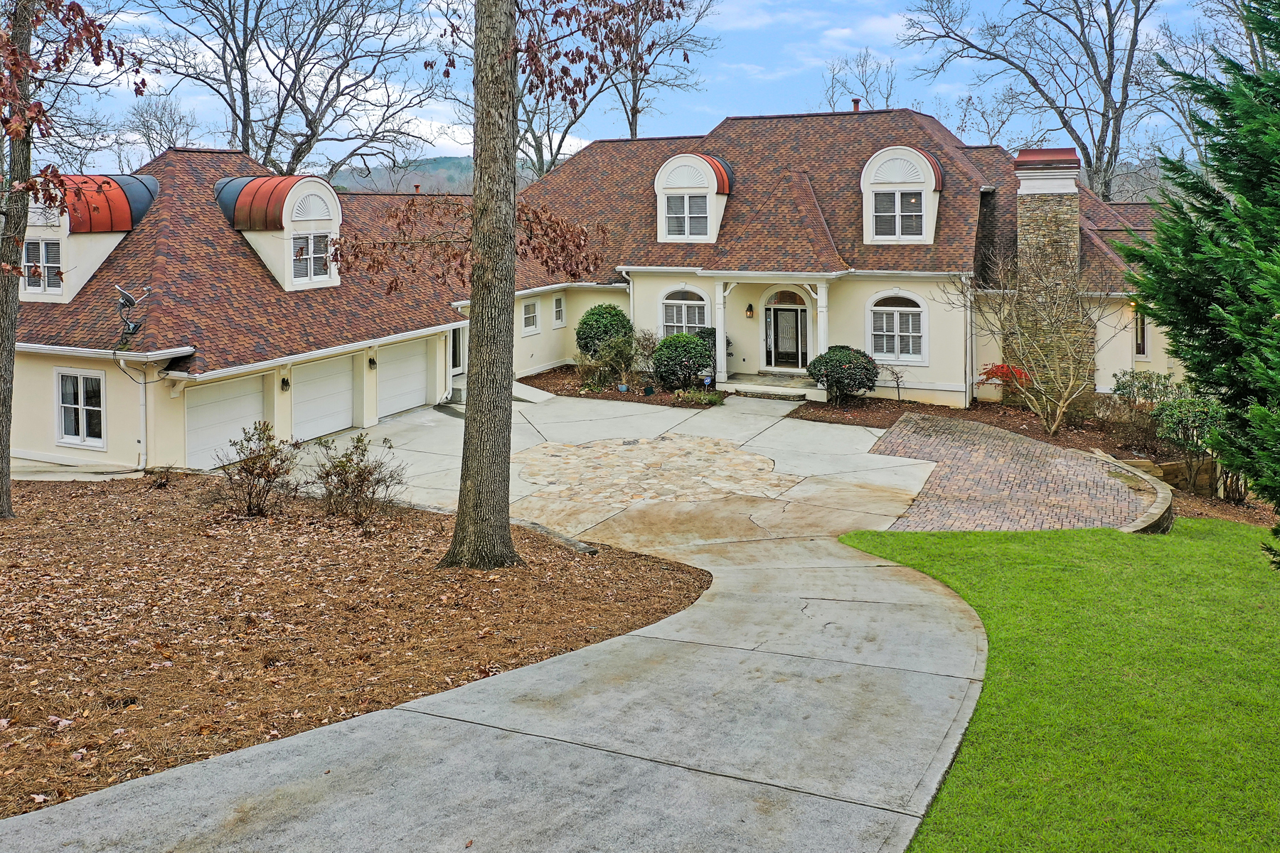 Single Family Homes for Active at Exceptional 3.1 Acre Country Club Of The South Estate On Chattahoochee River 535 Avala Court Johns Creek, Georgia 30022 United States