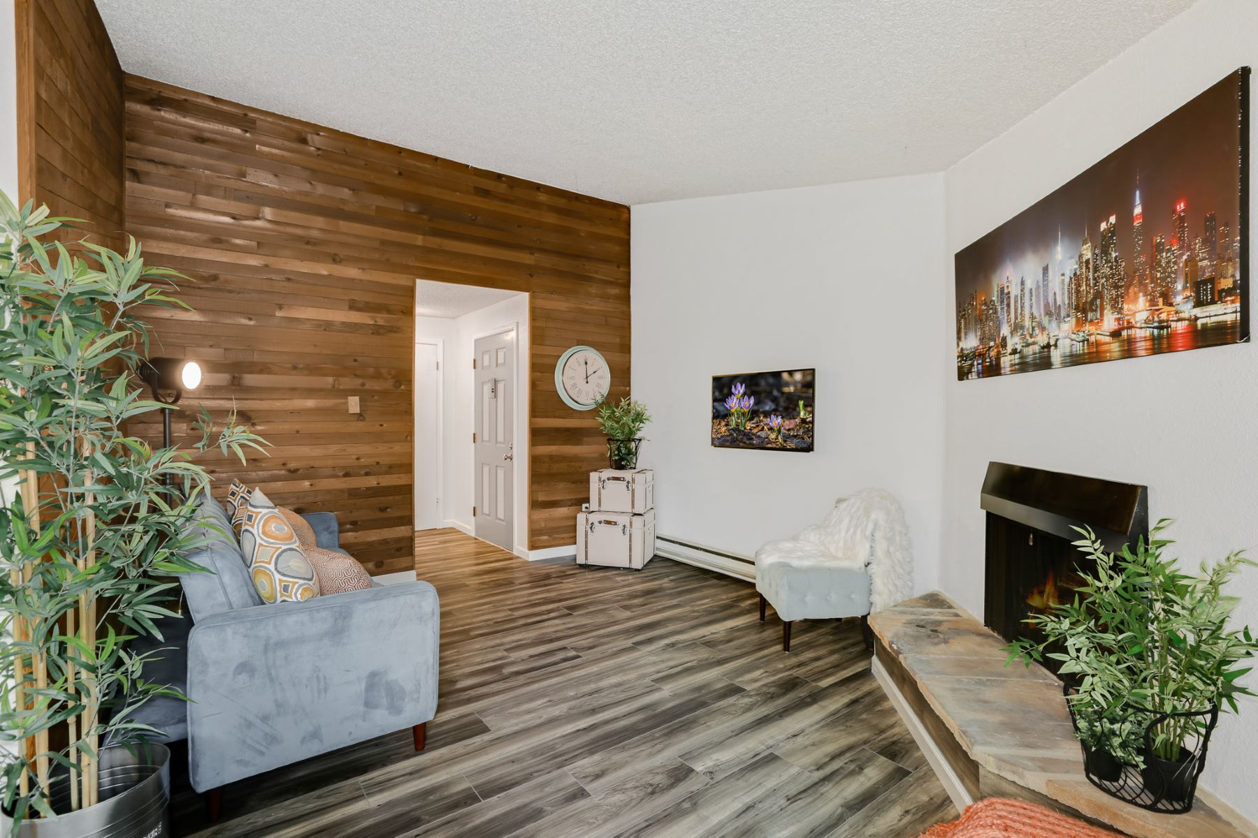 Condominiums for Sale at Lotus Listing 1840 Central Place S, Unit B18 Kent, Washington 98030 United States