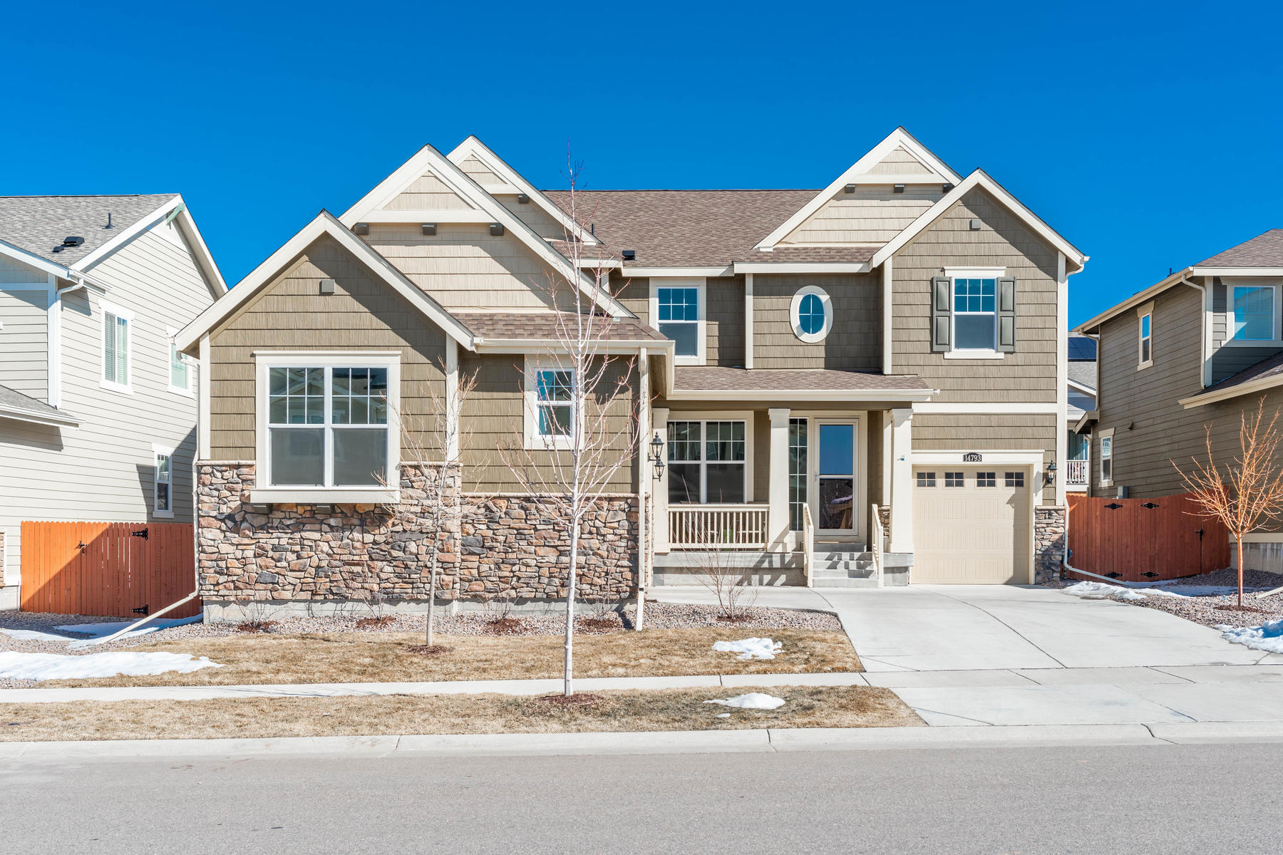 Single Family Homes for Sale at This beautiful 4 bedroom, 5 bathrooms modern home boasts an open floorplan 14793 Vienna Circle Parker, Colorado 80134 United States