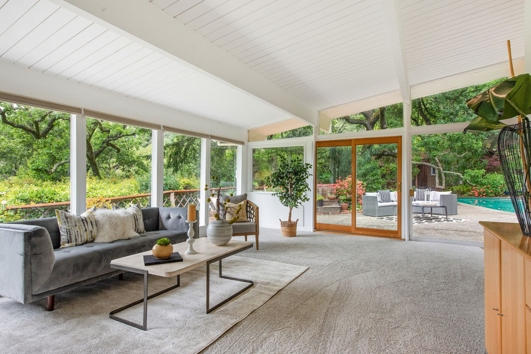 Single Family Homes for Active at Peaceful Mid-Century Modern in San Anselmo 10 Quail Way San Anselmo, California 94960 United States