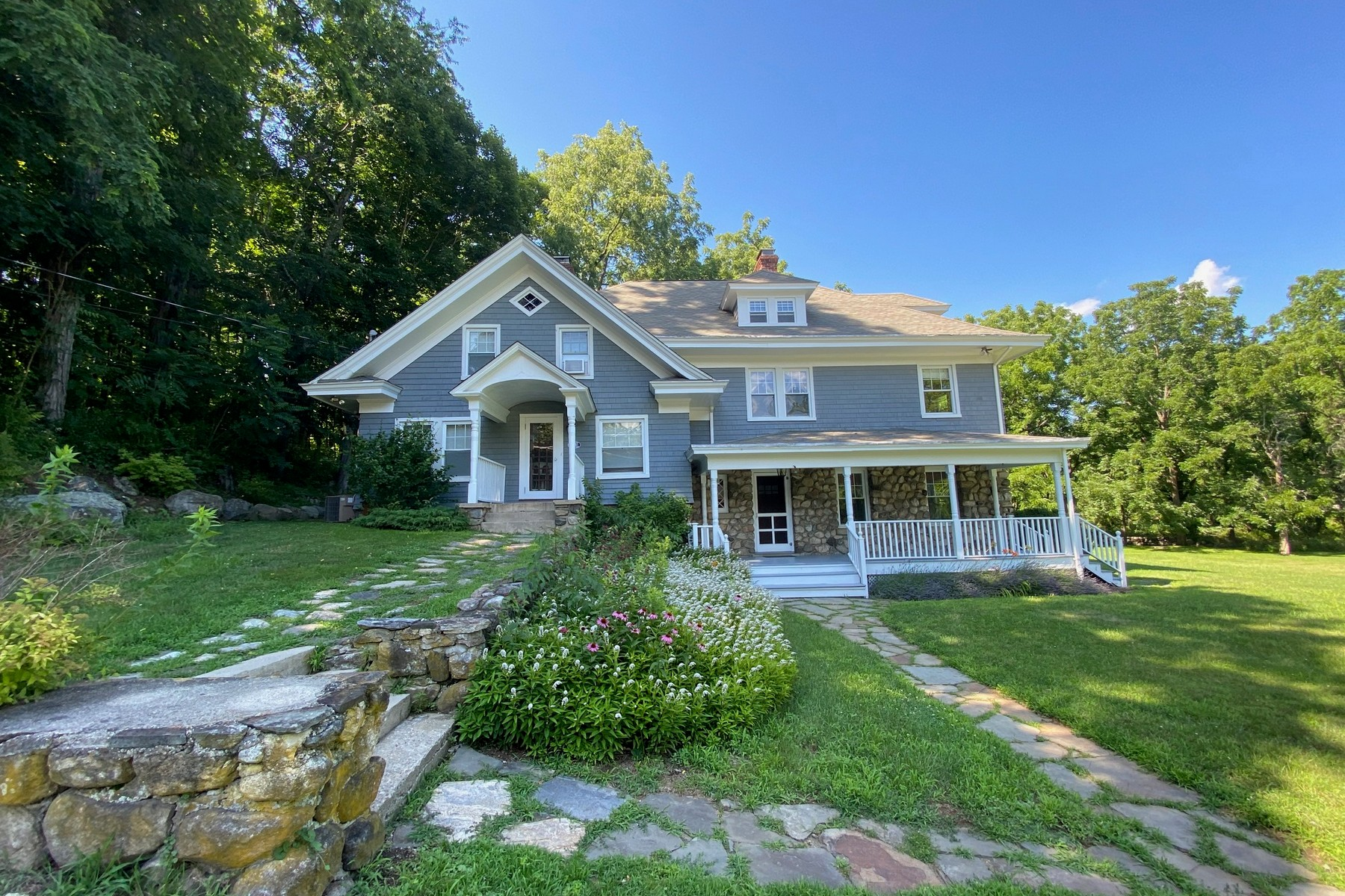 Single Family Homes 為 出售 在 Renovated to Perfection 3 Bloomer Road, North Salem, 纽约 10560 美國