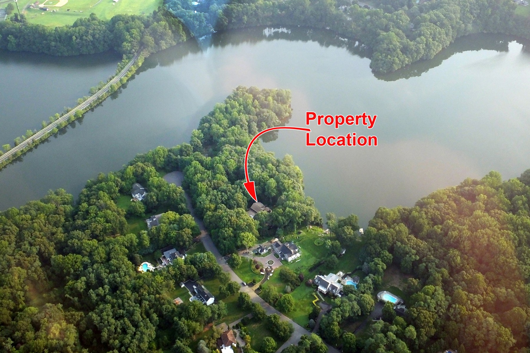 single family homes per Vendita alle ore Rare Waterfront In Colts Neck 7 Beaver Dam Road, Colts Neck, New Jersey 07722 Stati Uniti
