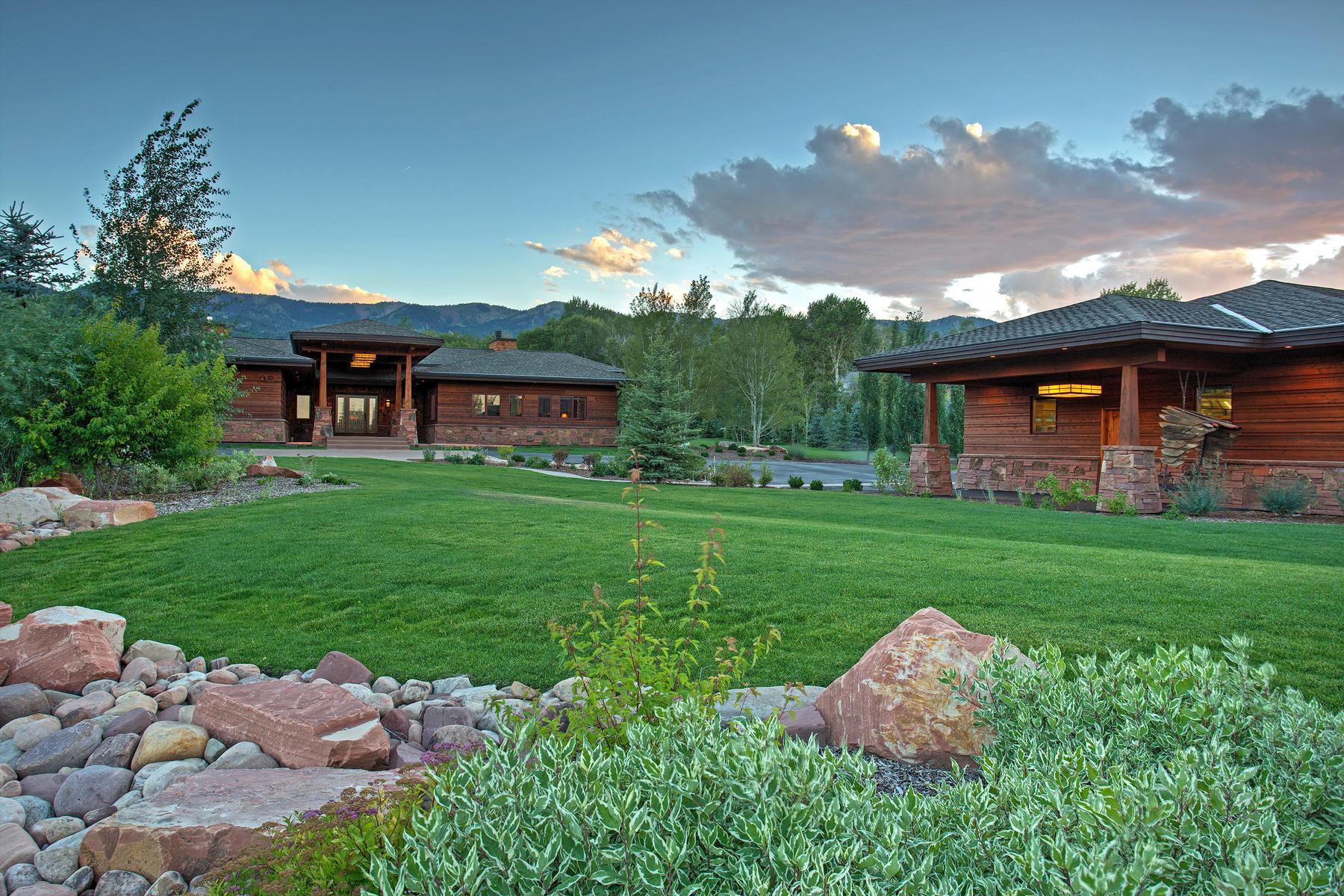 独户住宅 为 销售 在 Old Ranch Road Sanctuary with Guest Home 4275 Quarry Mountain Rd 帕克城, 犹他州, 84098 美国