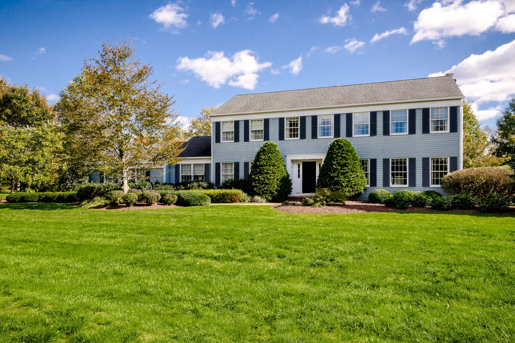Property por un Venta en Beyond All Expectations in Princeton Oaks 9 Howard Drive, West Windsor, Nueva Jersey 08550 Estados Unidos