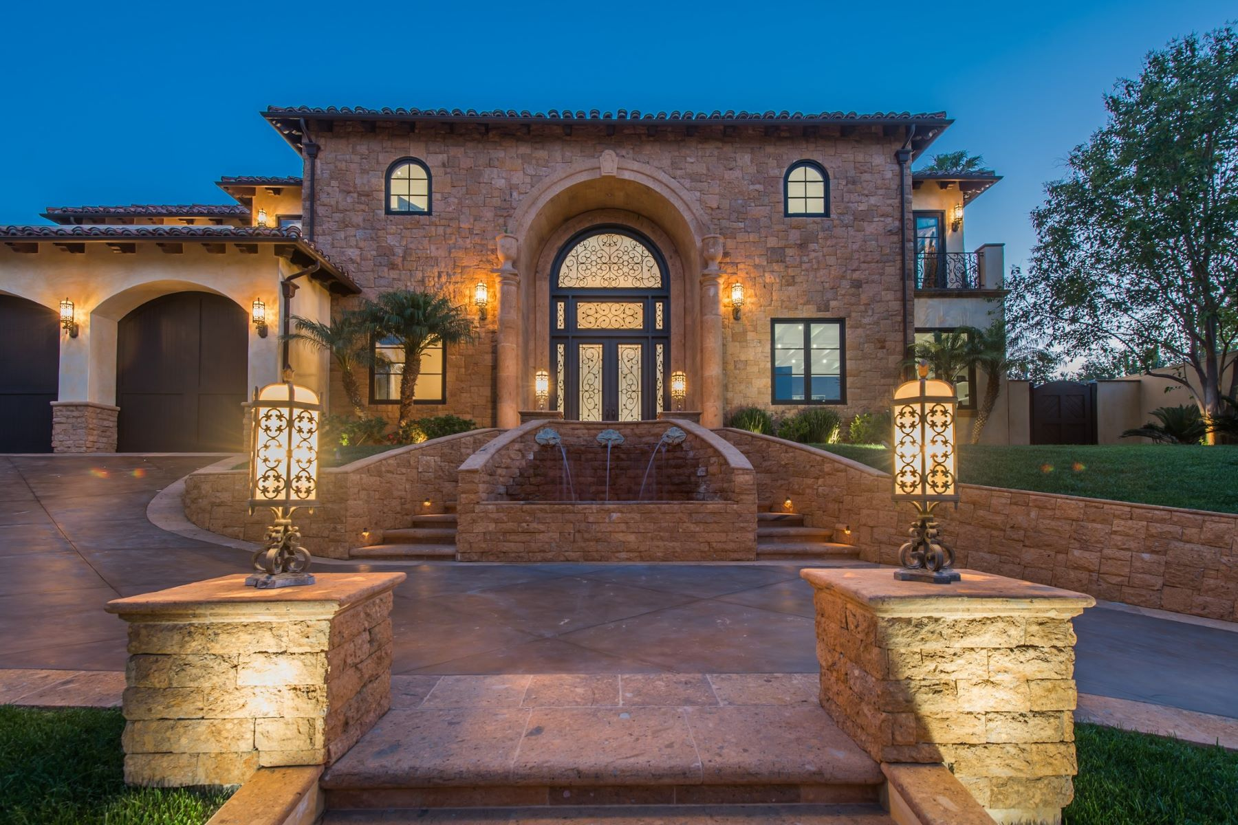 Single Family Homes for Sale at 4349 Clear Valley Drive Encino, California 91436 United States