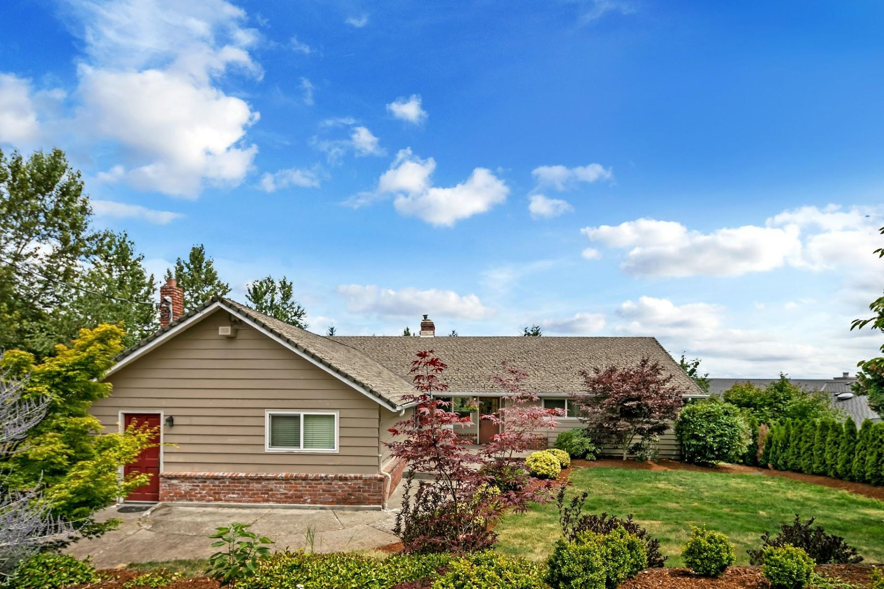 Single Family Homes for Active at 11925 SE Dorset Lane Happy Valley, Oregon 97086 United States