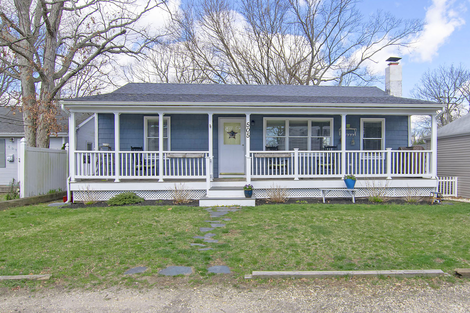 Single Family Homes for Sale at Welcome Home To This Move-In Ready Ranch 505 Boulton Avenue Point Pleasant, New Jersey 08742 United States