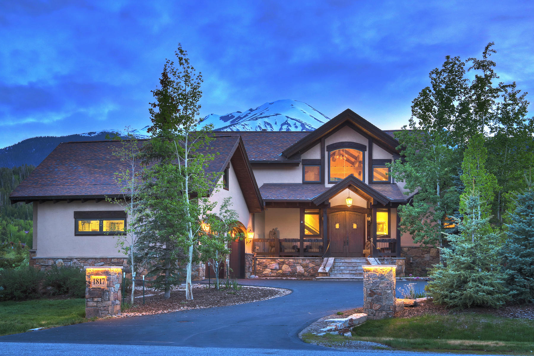 Single Family Homes for Sale at Italian Style Home on Raven Golf Course 1817 Falcon Drive, Silverthorne, Colorado 80498 United States
