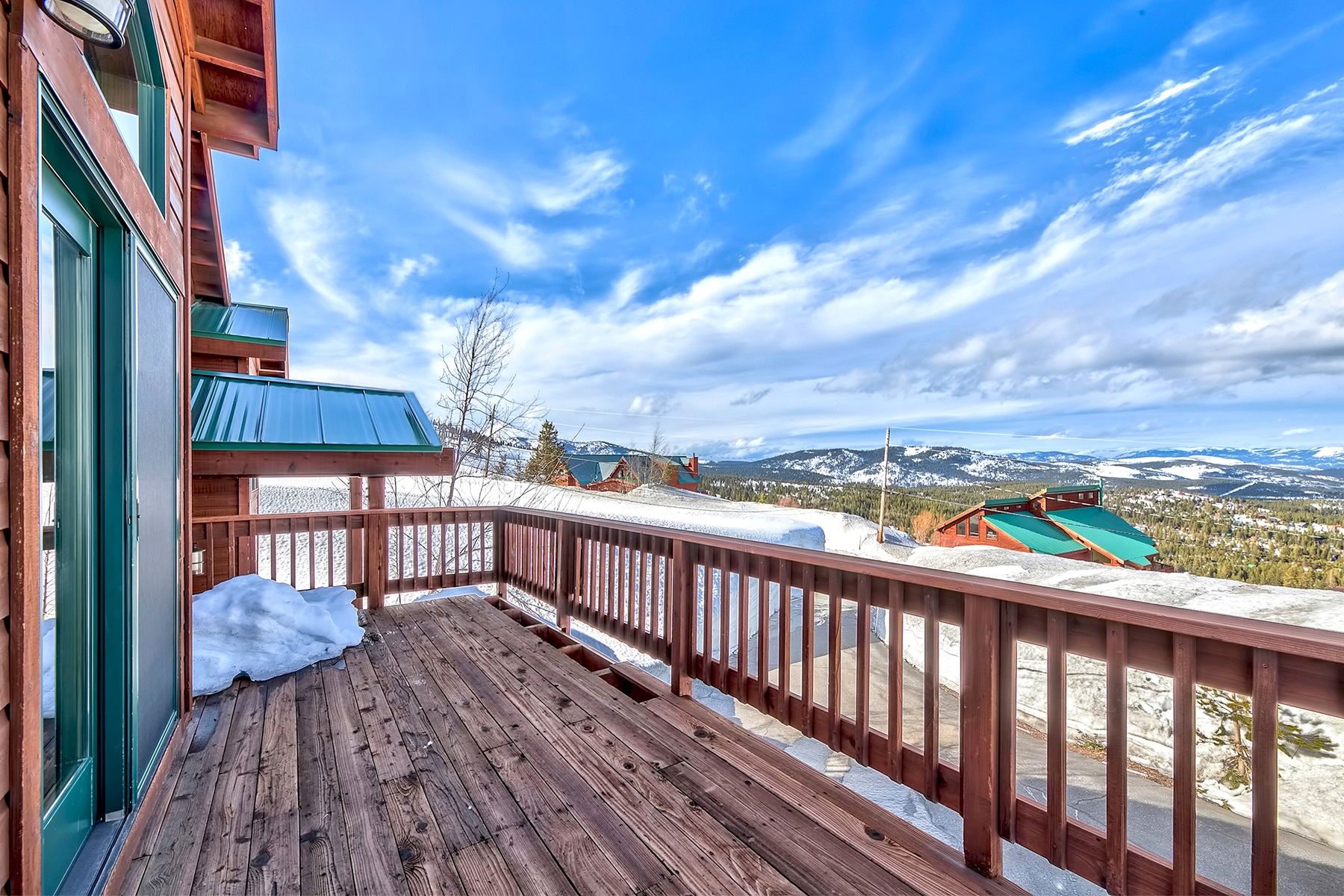 Additional photo for property listing at 14476 Skislope Way, Truckee, CA 14476 Skislope Way Truckee, California 96161 United States