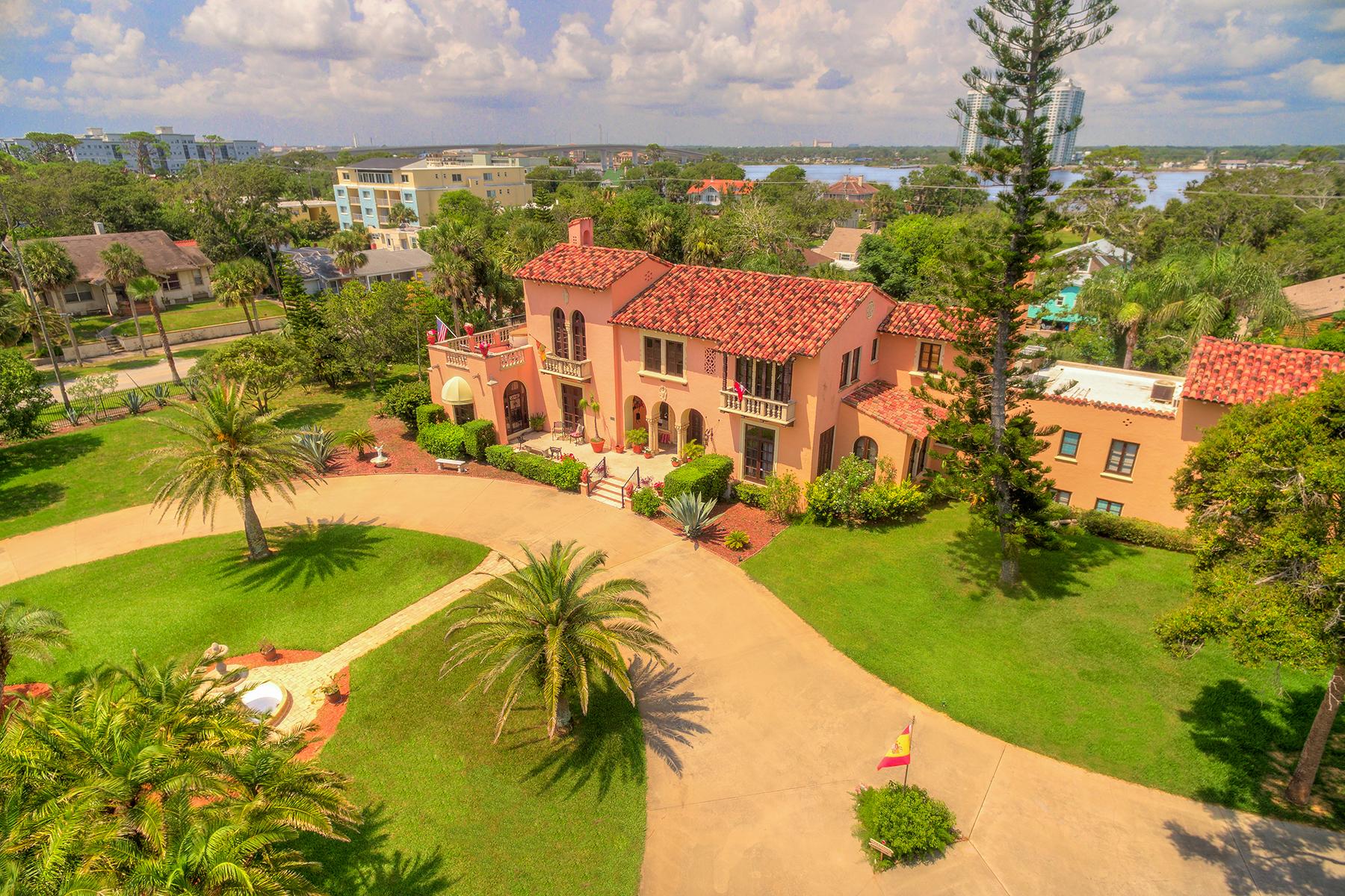 Maison unifamiliale pour l Vente à DAYTONA BEACH 801 N Peninsula Dr Daytona Beach, Floride 32118 États-Unis