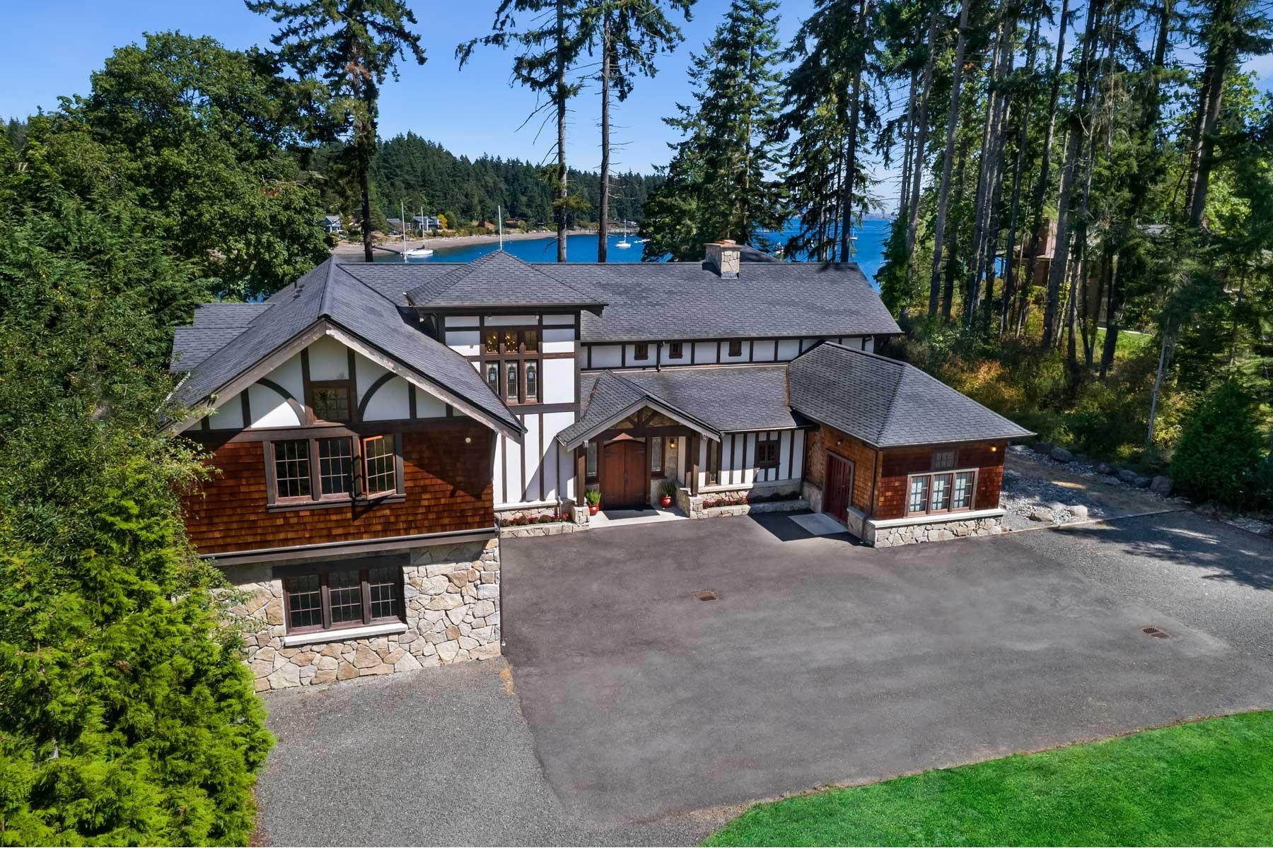 Additional photo for property listing at The Lodge at Blakley Harbor 10254 NE Country Club Rd Bainbridge Island, Вашингтон 98110 Соединенные Штаты