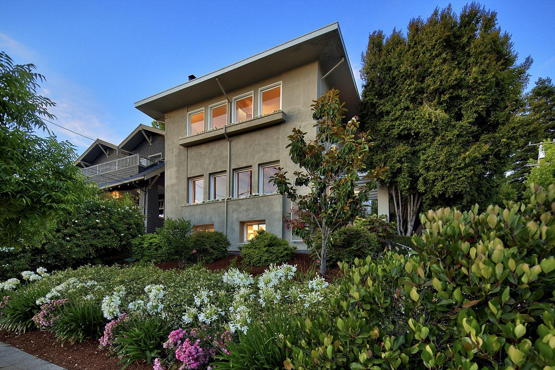 Casa Unifamiliar por un Venta en Stunning Classic Home In Central Piedmont 5 Blair Avenue Piedmont, California 94611 Estados Unidos
