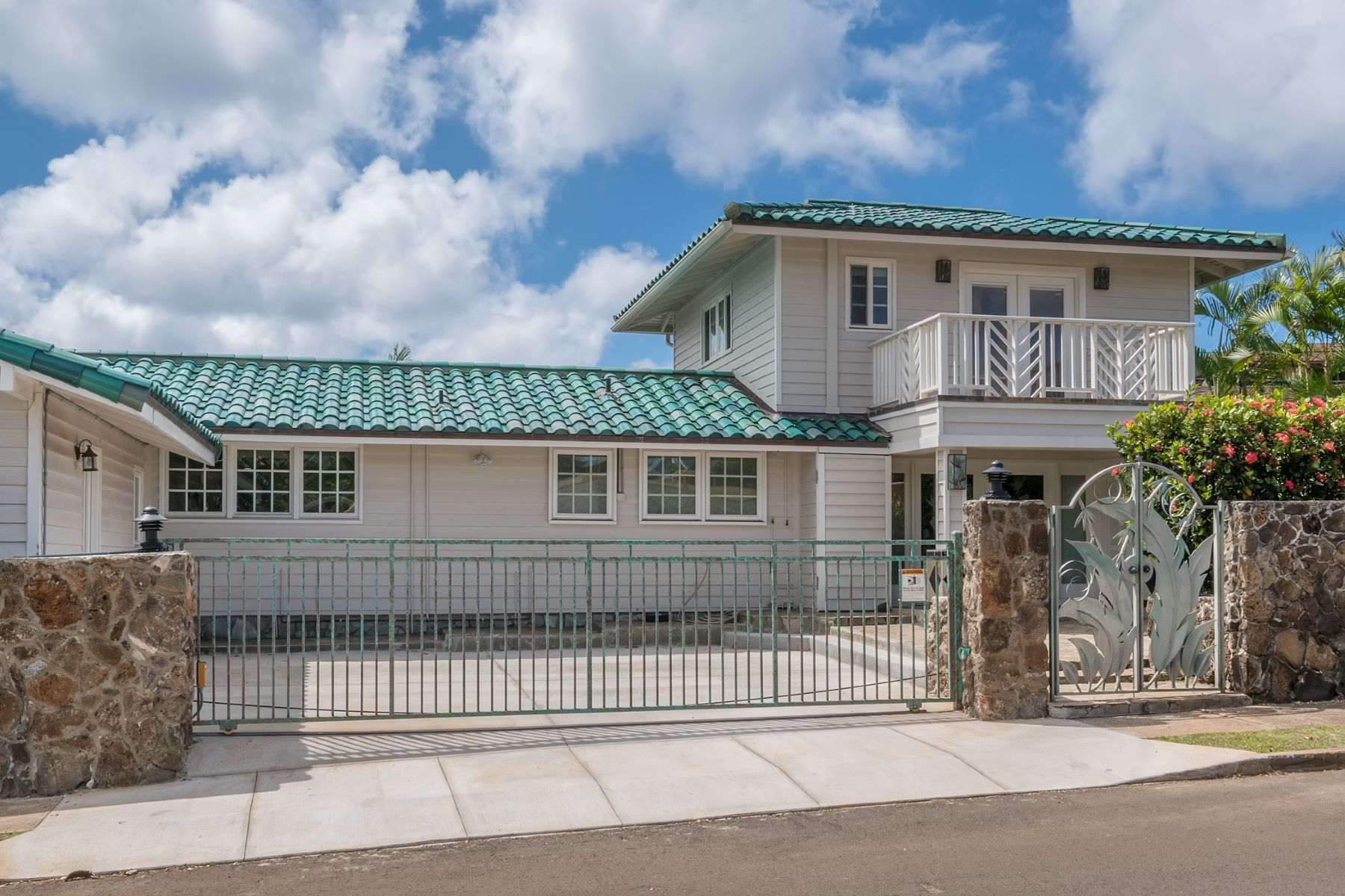 Additional photo for property listing at Sunny Kahala Escape 1344 Pueo Street Honolulu, Hawaii 96816 United States