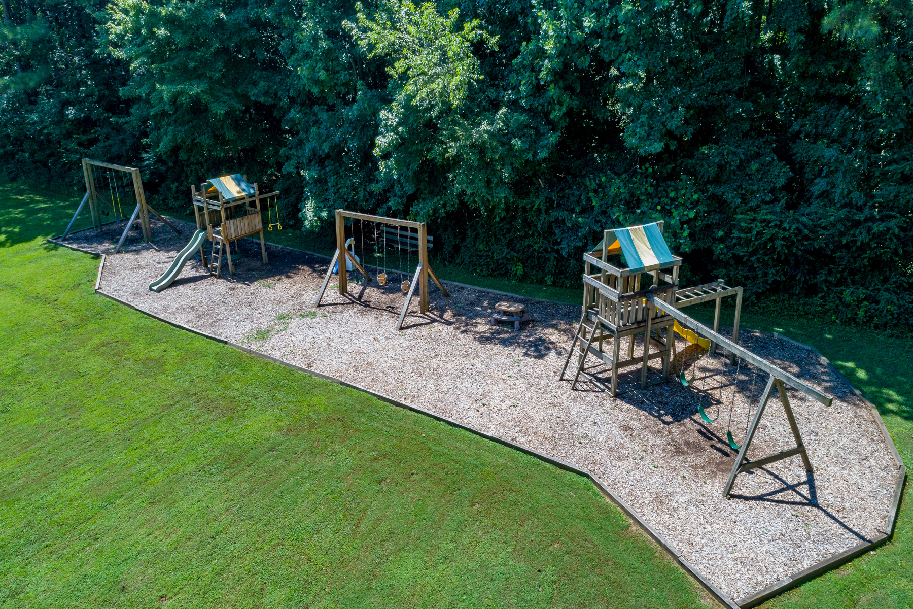 Additional photo for property listing at Beautiful Ranch Style Home With Full Finished Basement 6914 Lockridge Drive, Peachtree Corners, Джорджия 30360 Соединенные Штаты