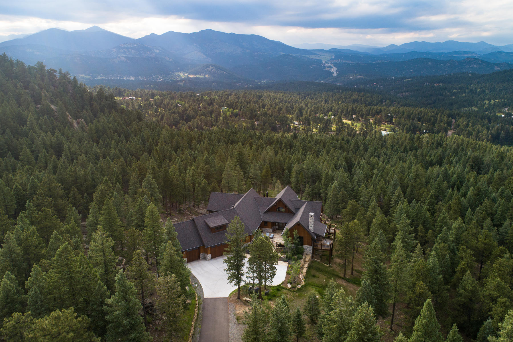 Single Family Homes for Sale at Classic Sophistication with Mountain Modern Luxury 6009 Flat Creek Drive Evergreen, Colorado 80439 United States