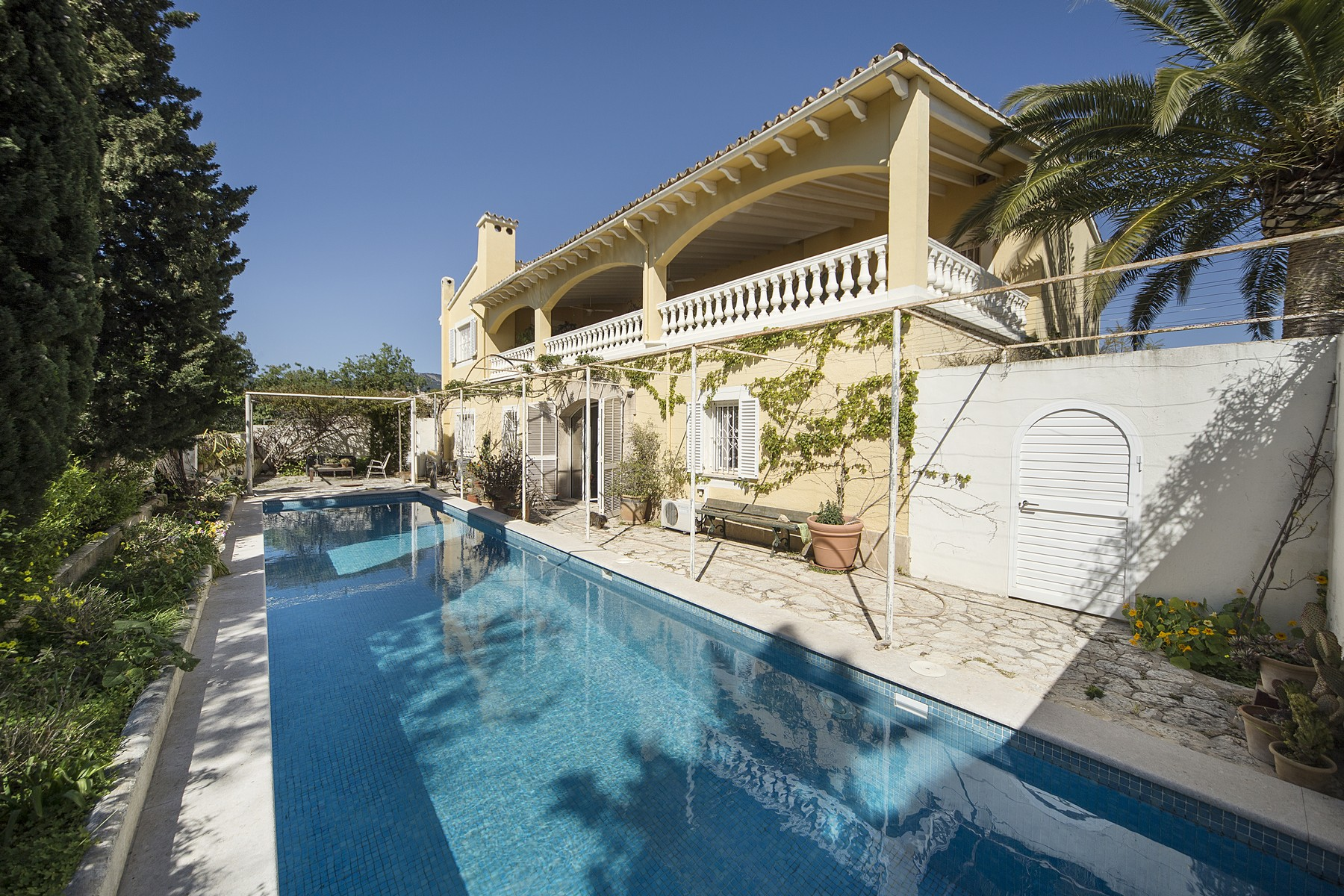 Single Family Home for Sale at Country home very close to Palma Establiments, Mallorca, Spain