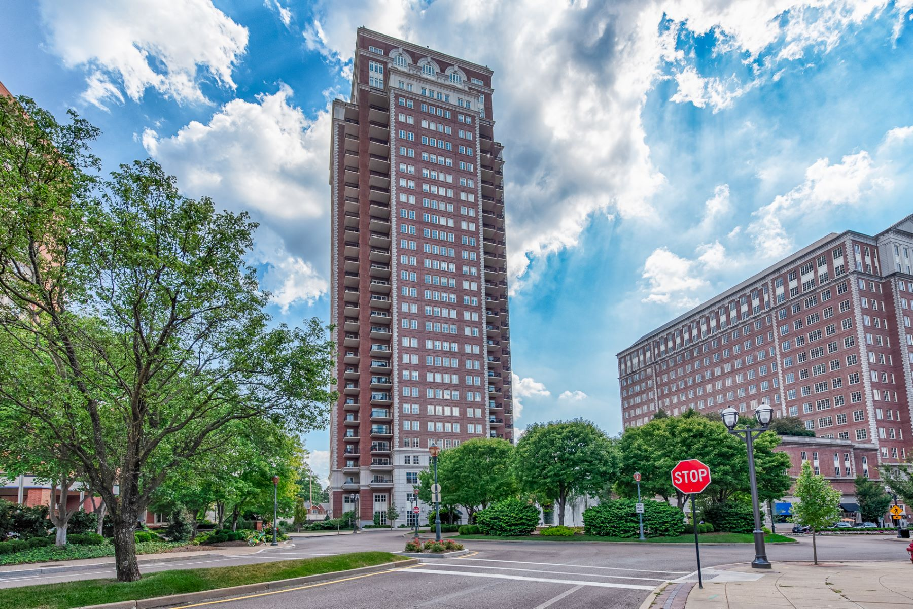 Condominium for Sale at Carondelet Plaza 150 Carondelet Plaza # 501 St. Louis, Missouri 63105 United States