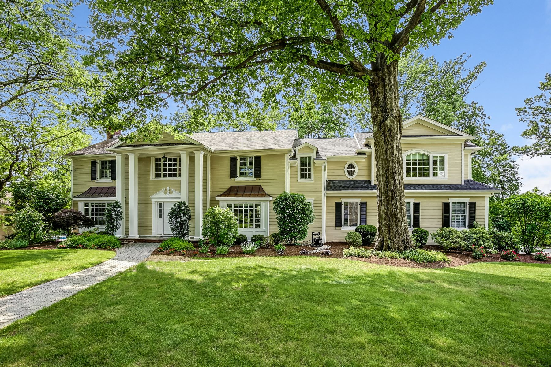 Single Family Home for Sale at Impressive Classic Colonial 28 Farbrook Drive, Short Hills, New Jersey, 07078 United States