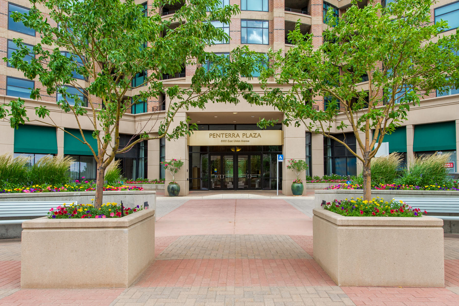 Condominium for Active at Luxury, Location and Views! 8100 East Union Avenue Denver, Colorado 80237 United States