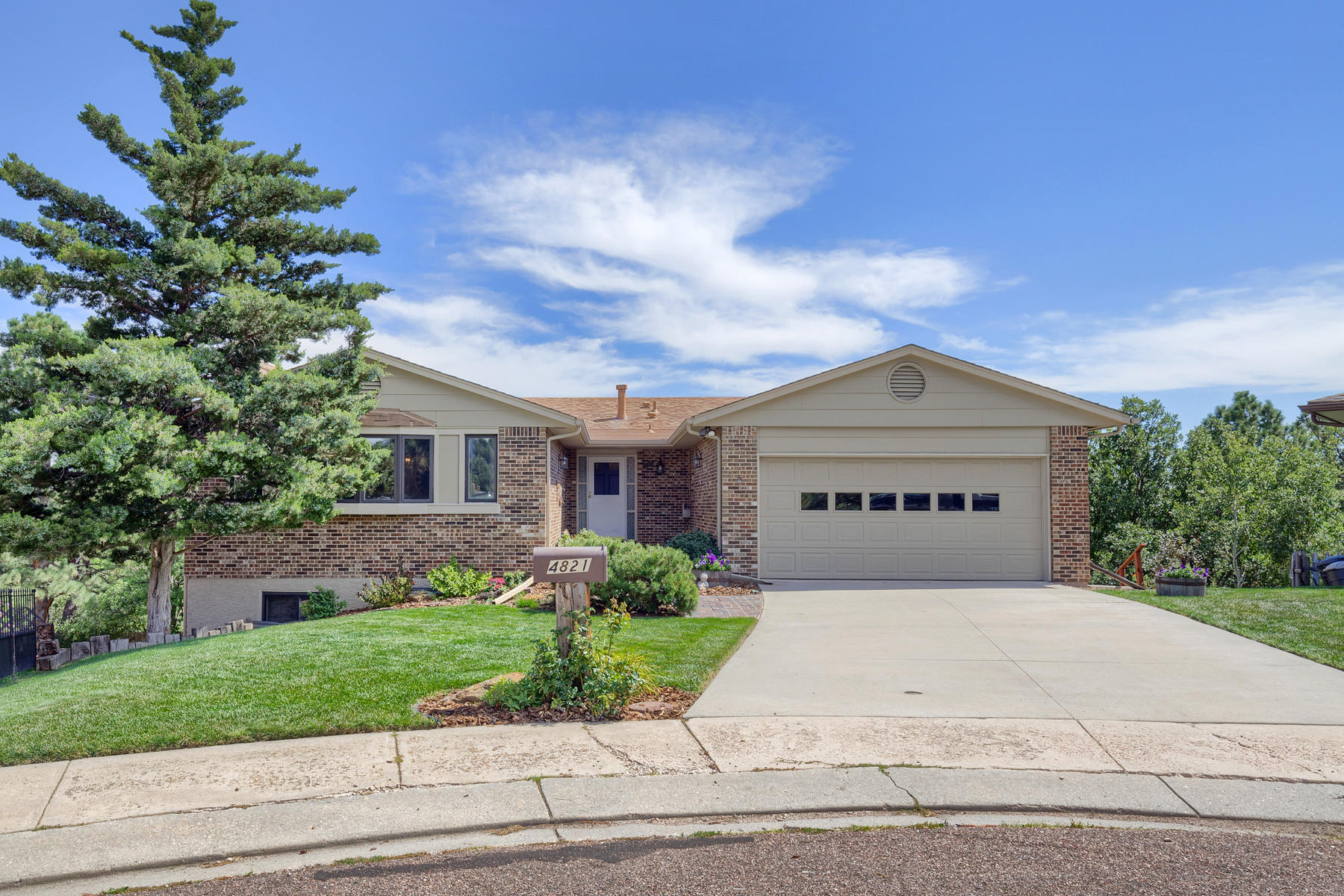 Property for Active at Unique & lovingly maintained home on tucked away cul-de-sac! 4821 Garden Pl Colorado Springs, Colorado 80918 United States