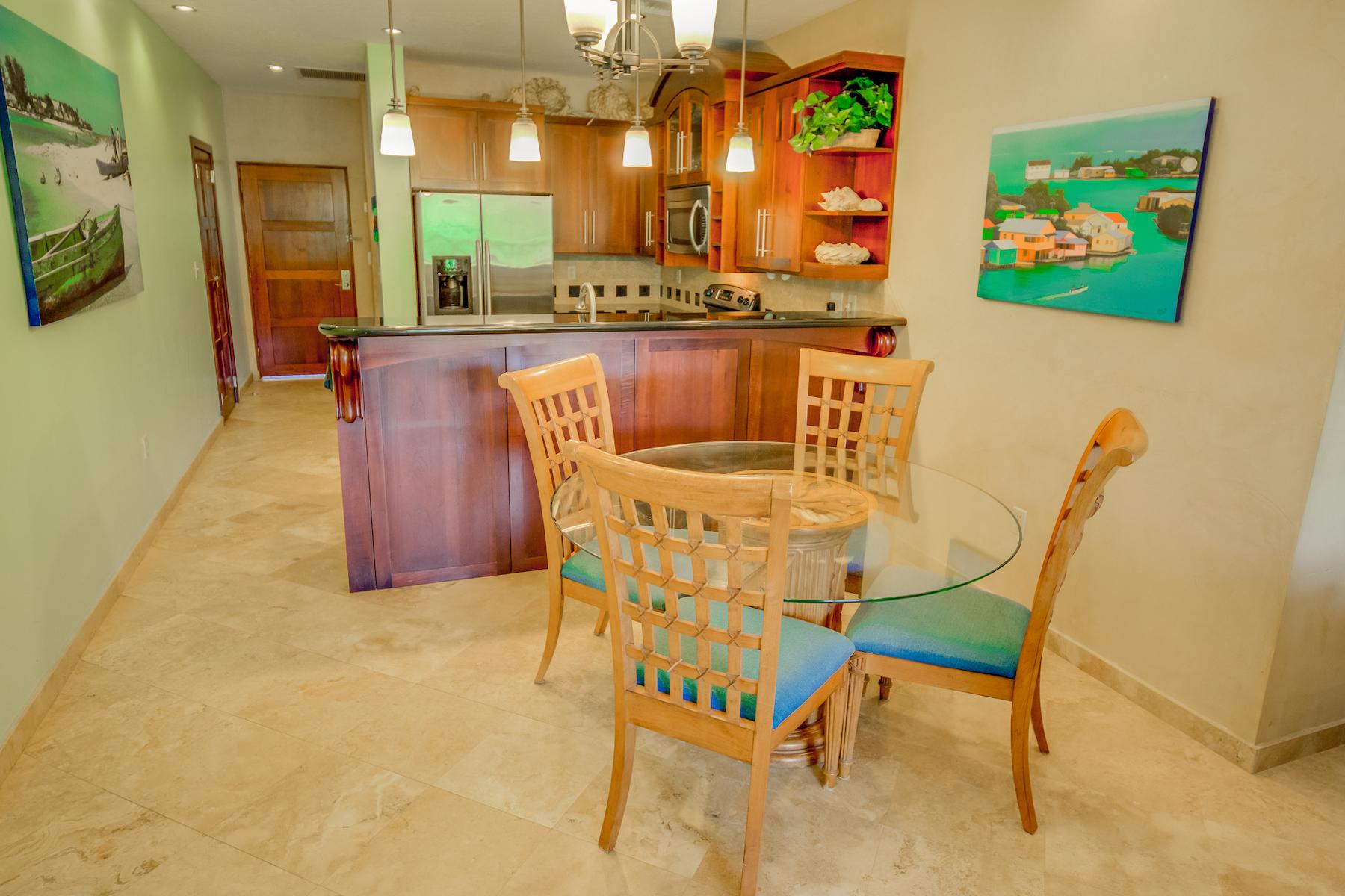Property 為 出售 在 Infinity Bay Condo #1103 Roatan, Bay Islands 34101 Honduras