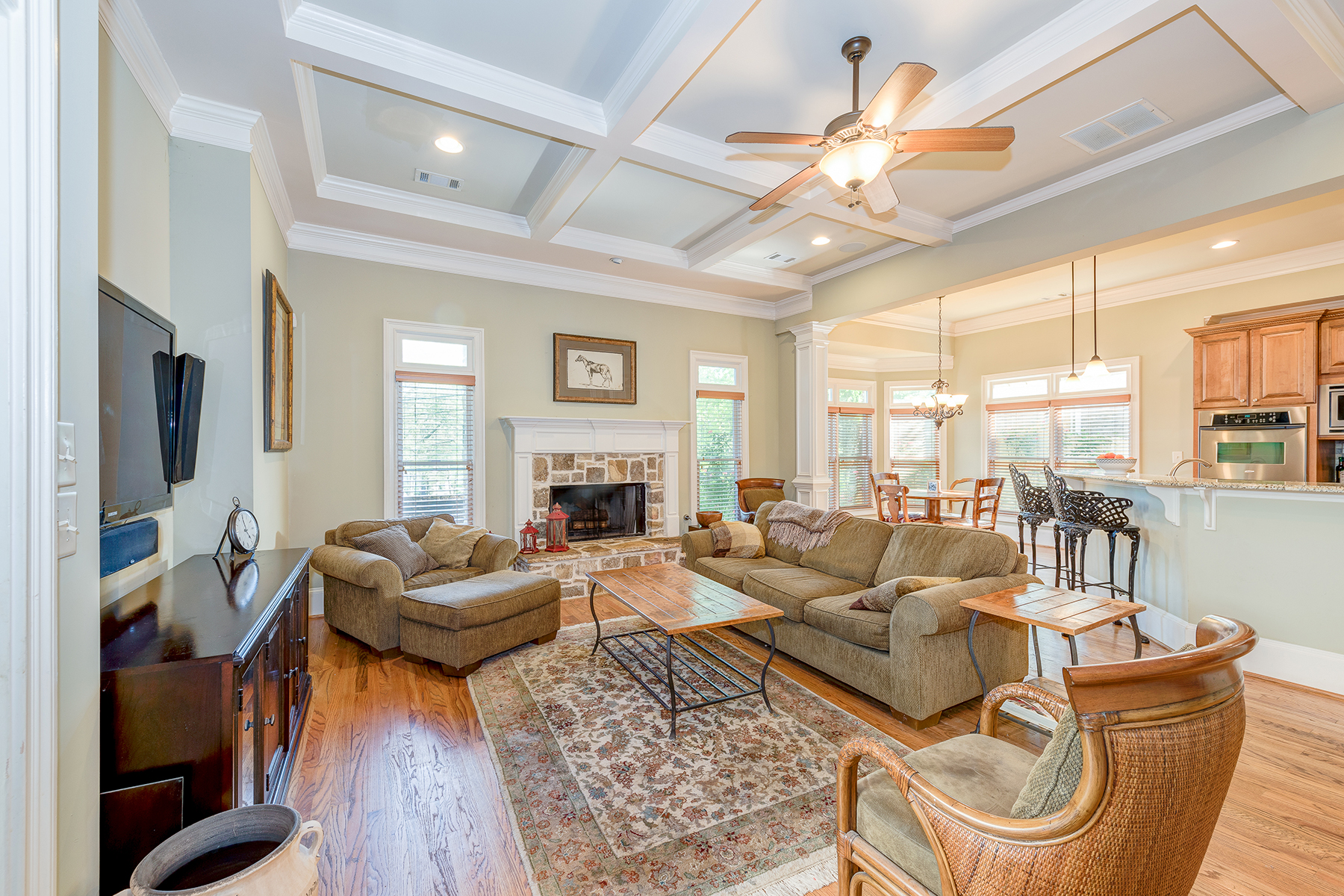 Additional photo for property listing at Stunning Brookhaven Home 2041 Mendenhall Drive Brookhaven, Georgia 30341 Estados Unidos