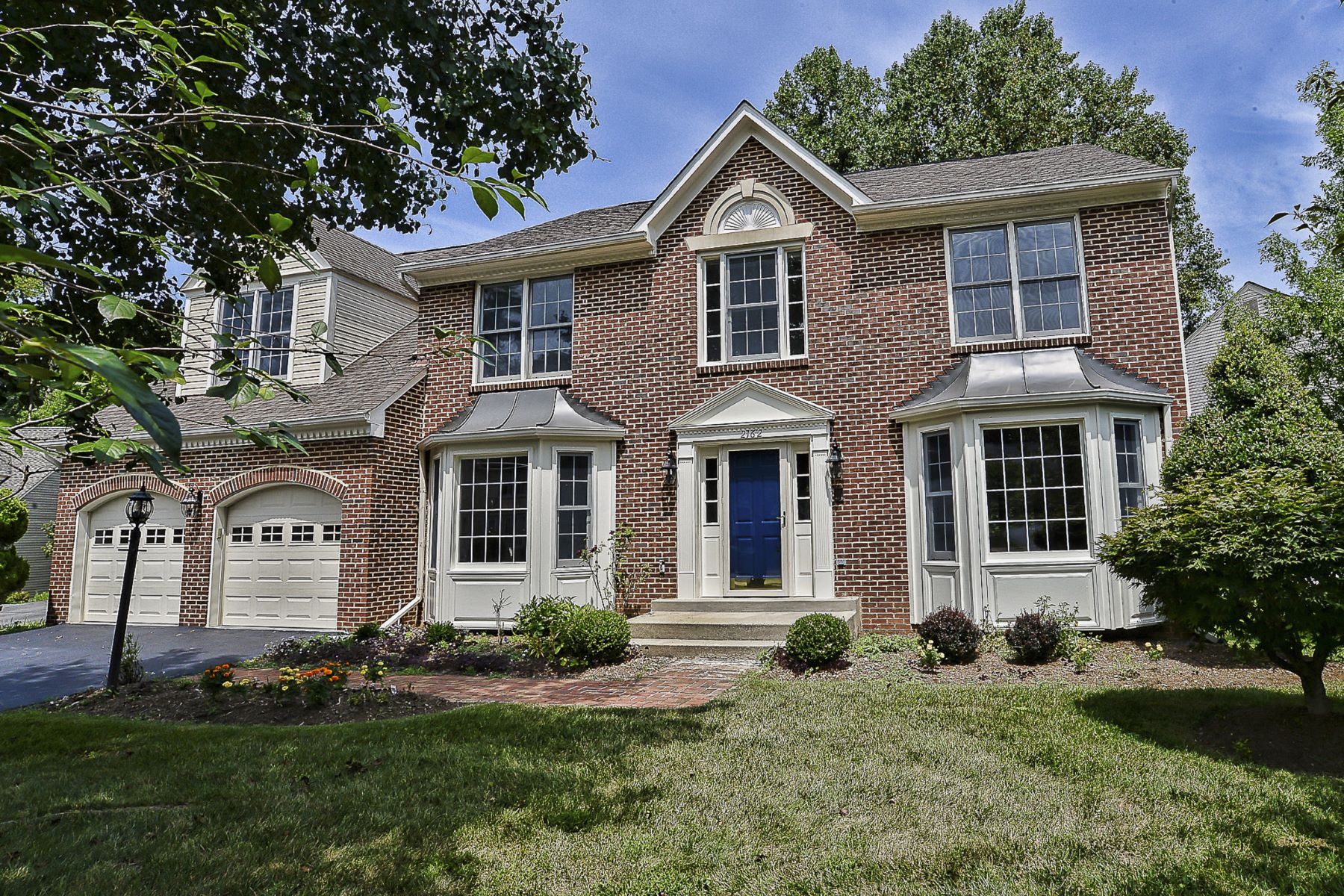 Single Family Homes for Active at 2162 Westglen Court Vienna, Virginia 22182 United States