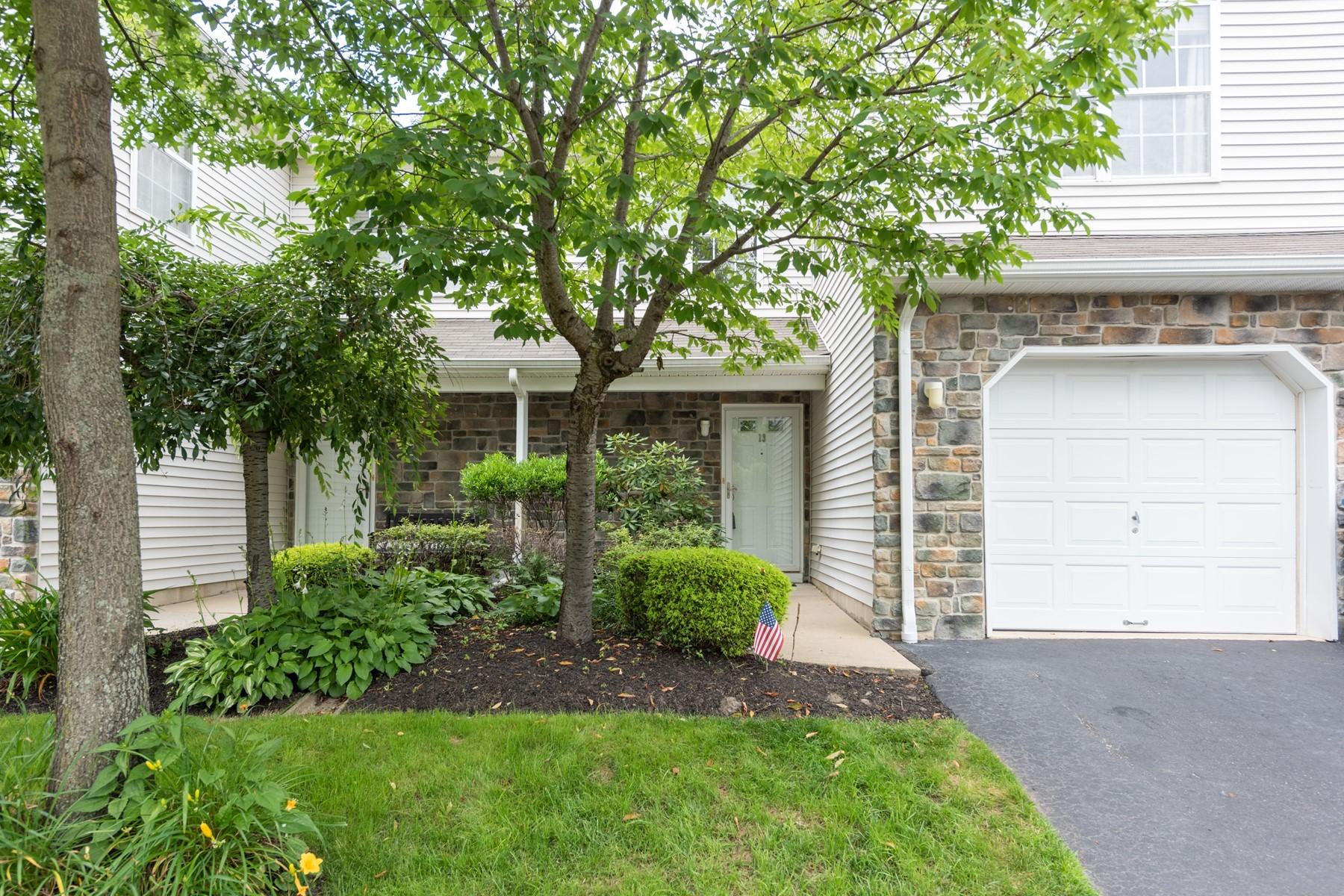 Condominiums のために 売買 アット Tinton Falls, ニュージャージー 07753 アメリカ