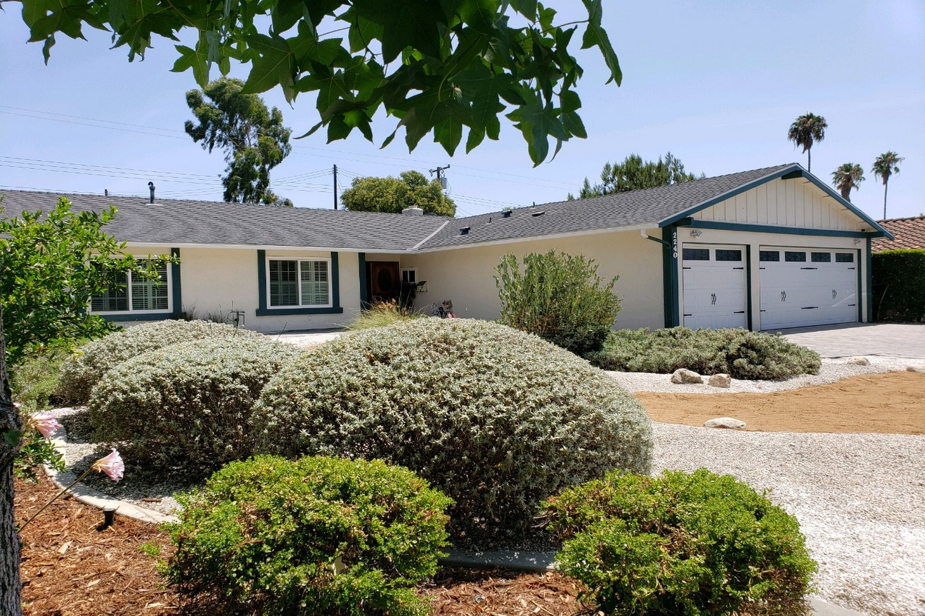 Single Family Homes for Sale at 2240 La Sierra Way, Claremont California 91711 2240 La Sierra Way Claremont, California 91711 United States