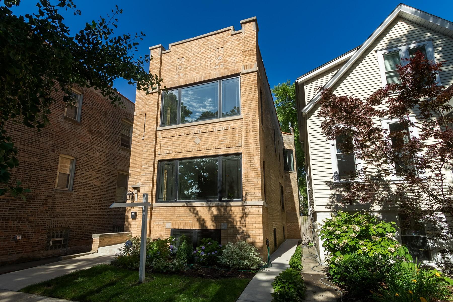 獨棟家庭住宅 為 出售 在 Stunning New Interior in Roscoe Village Home 3306 N Bell Avenue Chicago, 伊利諾斯州, 60618 美國