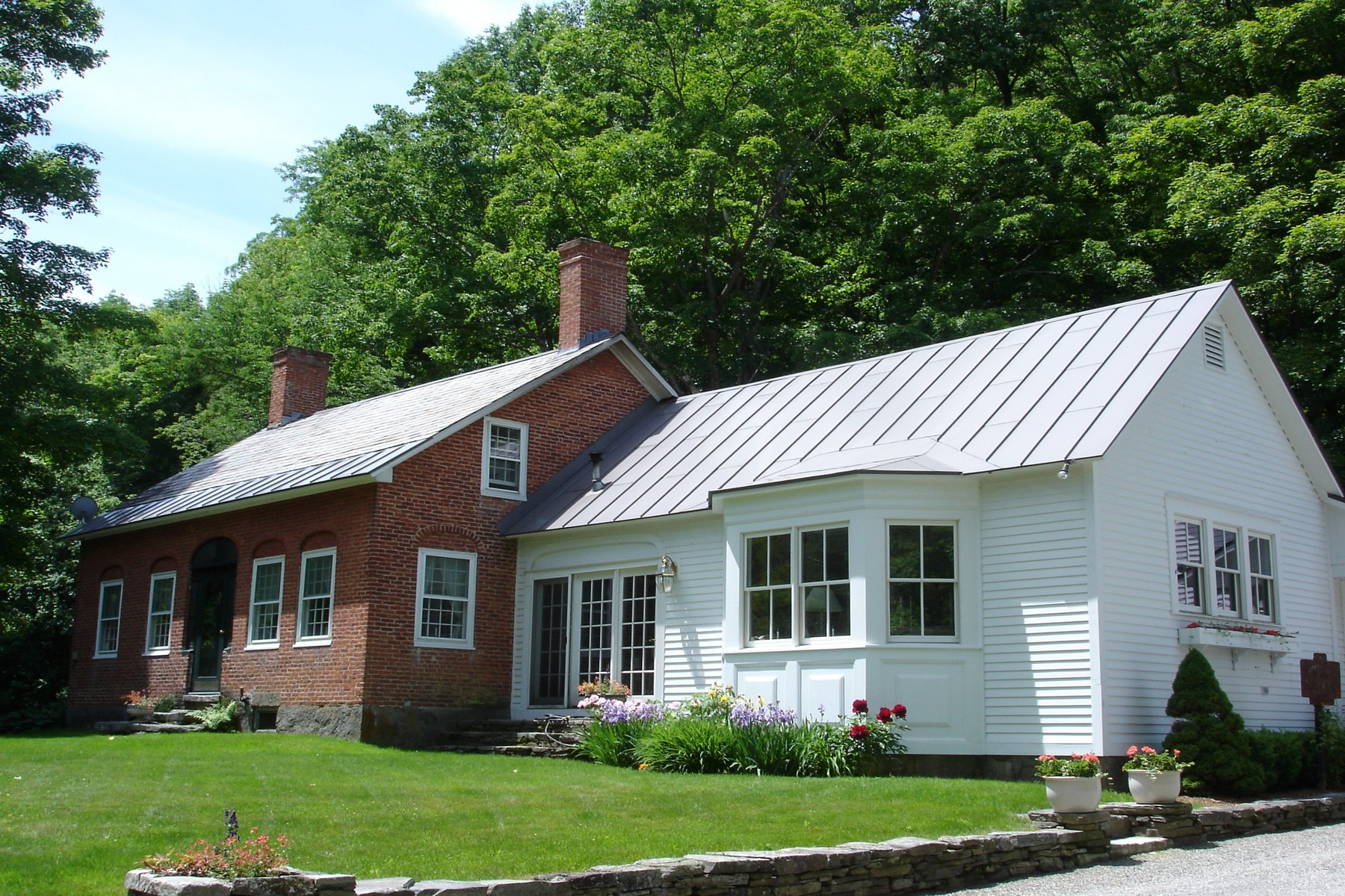 Single Family Homes for Sale at Antique Brick Federal on 100+ Acres 2092 Cavendish Gulf Rd Cavendish, Vermont 05142 United States