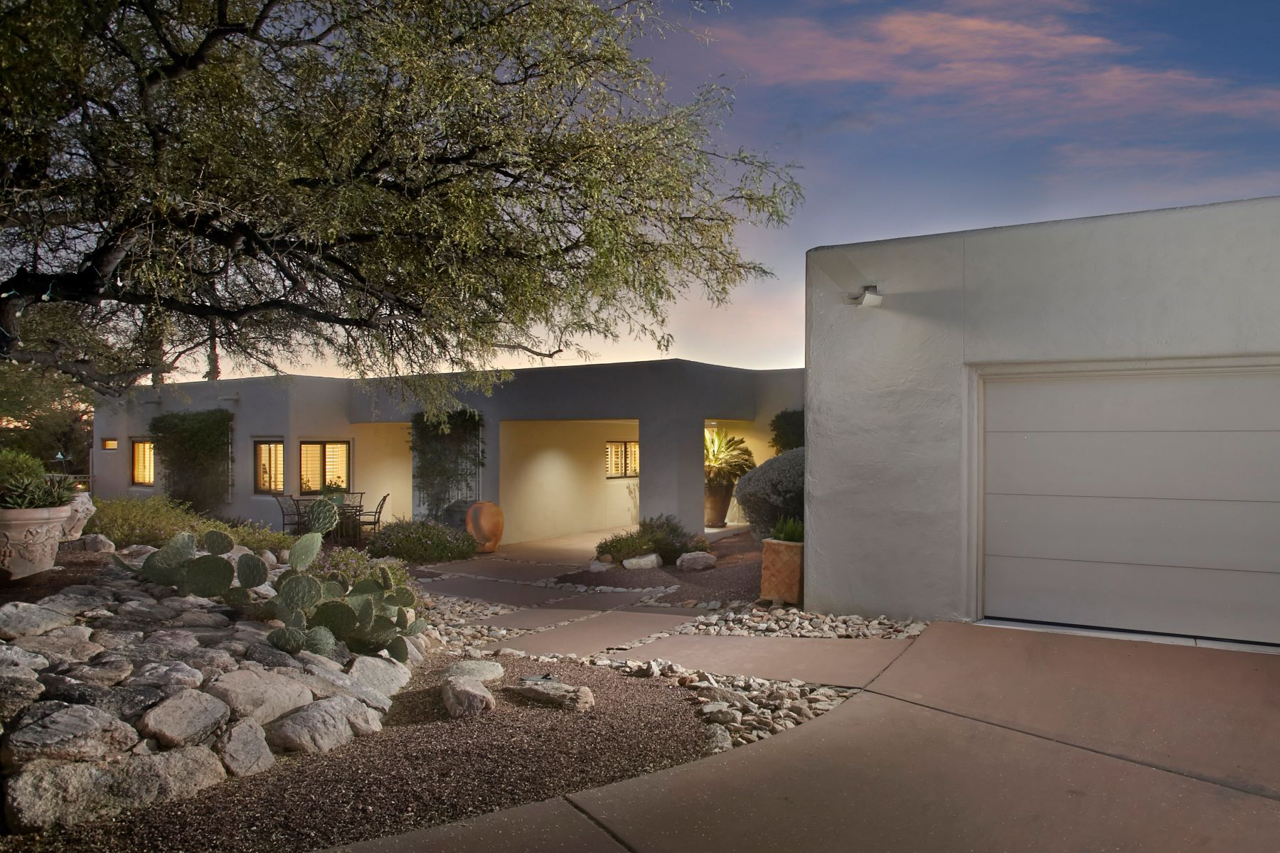 Single Family Home for Sale at Ideal Winter Residence in One of Tucson's Most Prestigious Neighborhoods 6851 N Terra Vista, Tucson, Arizona, 85750 United States