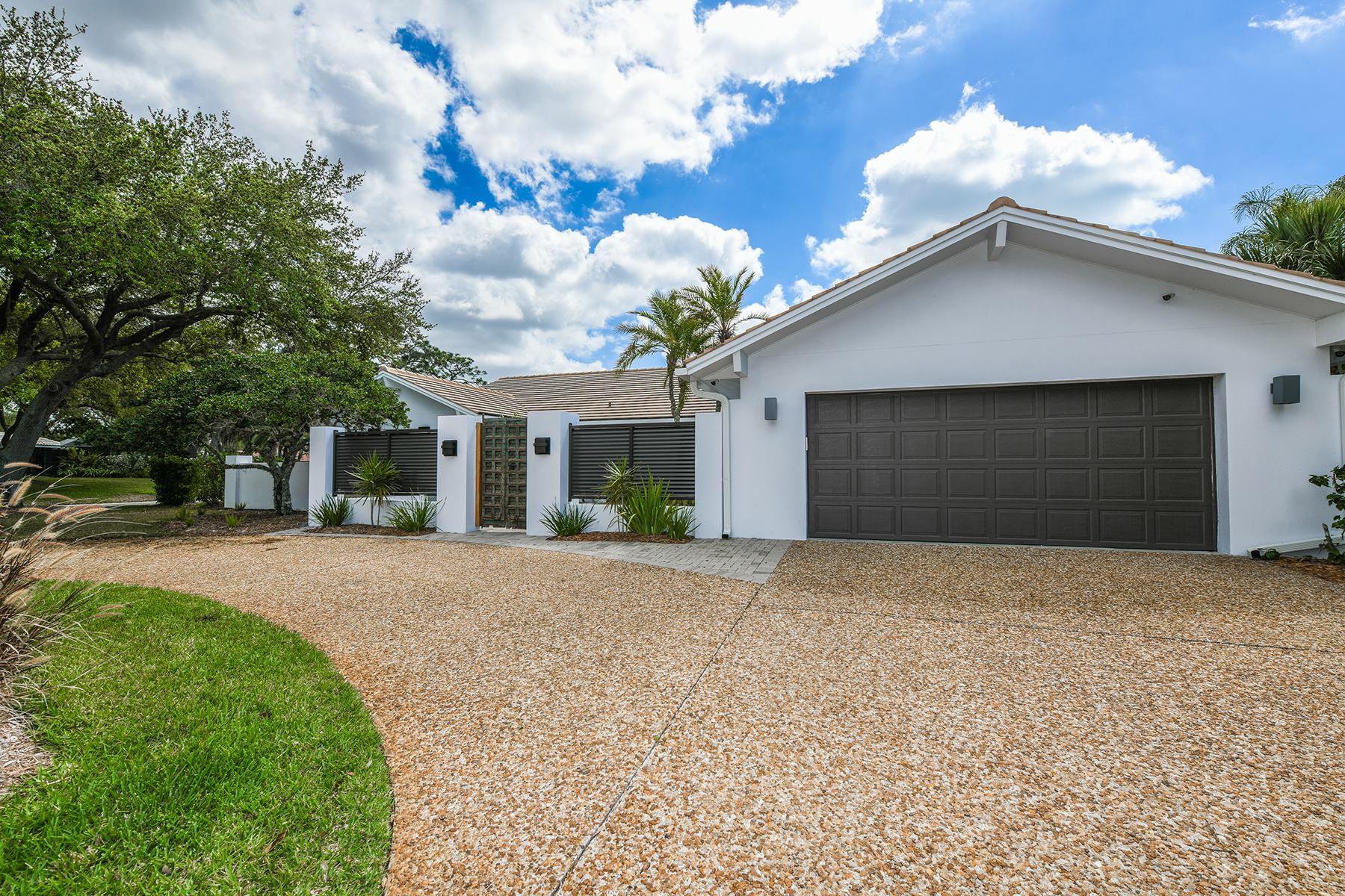 single family homes for Active at SOUTHBAY YACHT AND RACQUET CLUB 203 Sea Anchor Dr Osprey, Florida 34229 United States