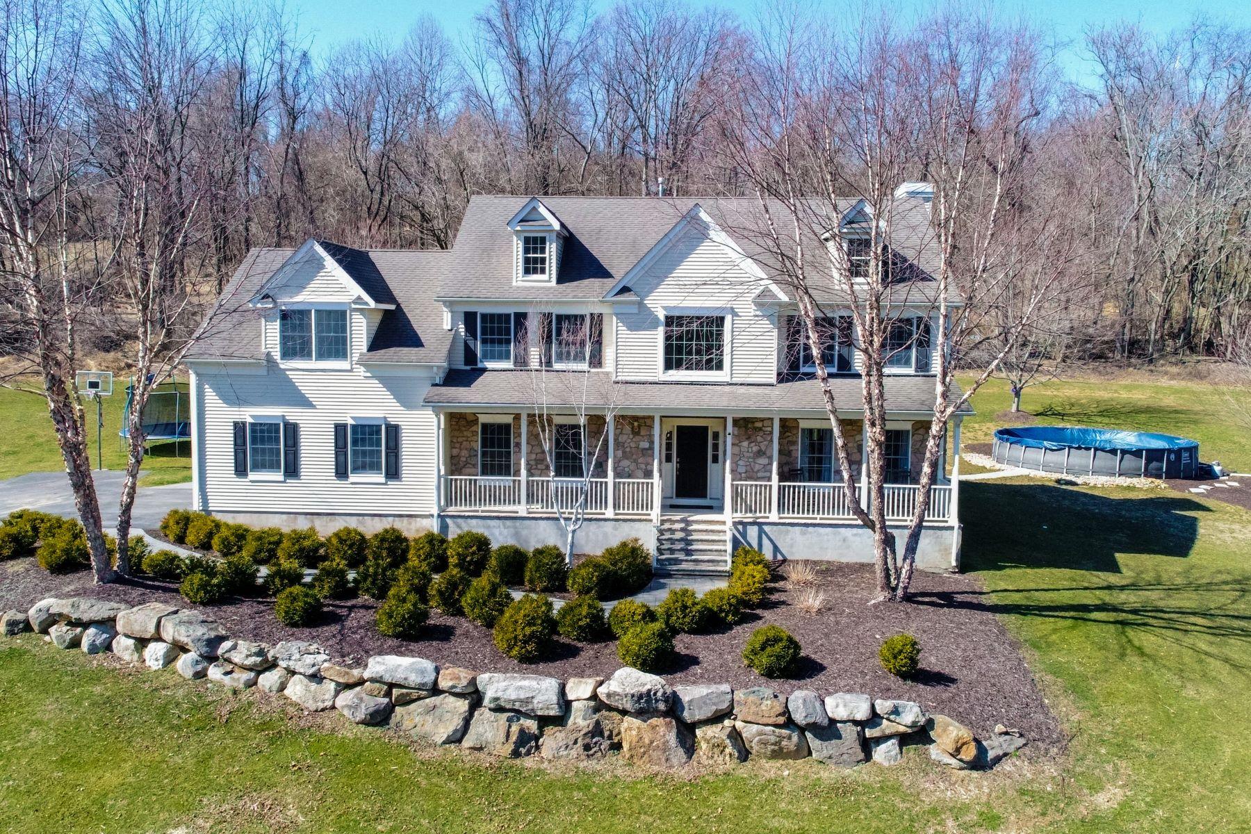 Single Family Homes por un Venta en Welcoming Custom Colonial 1105 Ridge Road, Phillipsburg, Nueva Jersey 08865 Estados Unidos