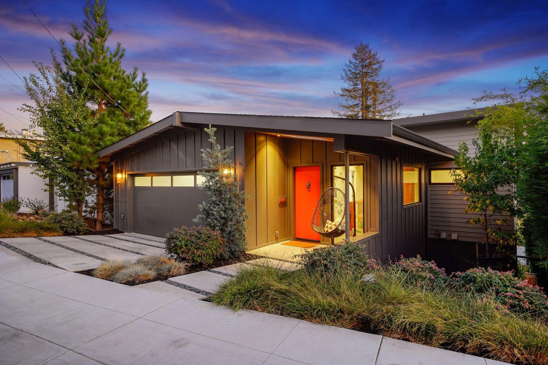 Single Family Homes for Sale at Stunning Crocker Highlands Modern 693 Santa Ray Avenue Oakland, California 94610 United States