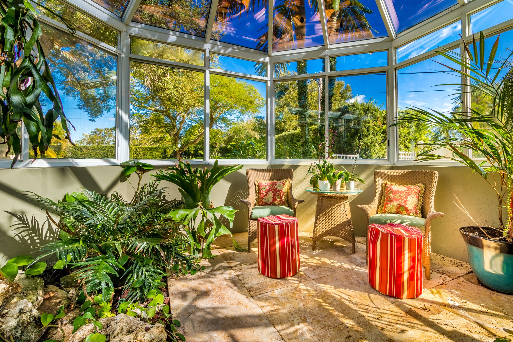 Additional photo for property listing at Spectacular Riverfront Home in Sunset Shores 200 Riverside Drive Melbourne, Florida 32951 Estados Unidos