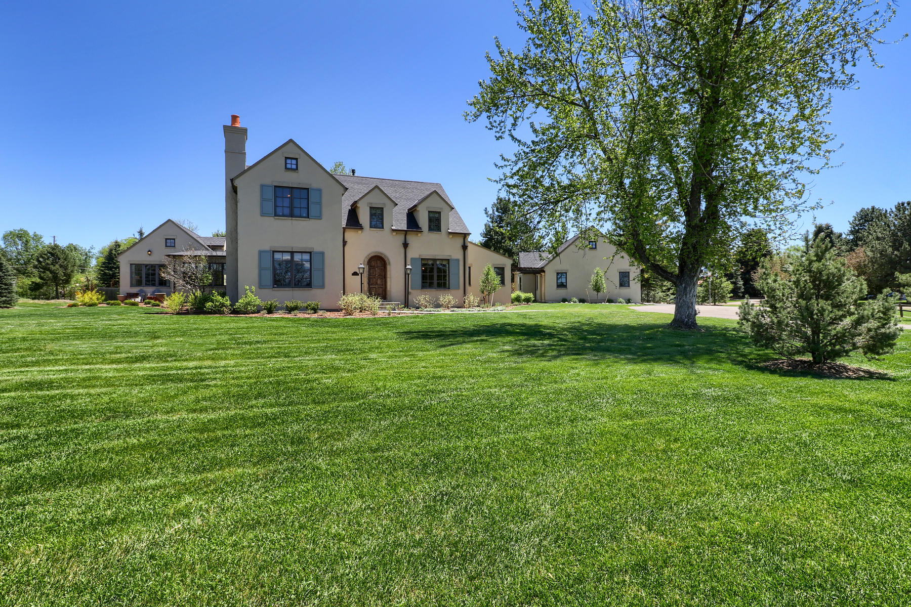 Single Family Home for Active at Stunning mountain views! 14 Parkway Drive Cherry Hills Village, Colorado 80113 United States