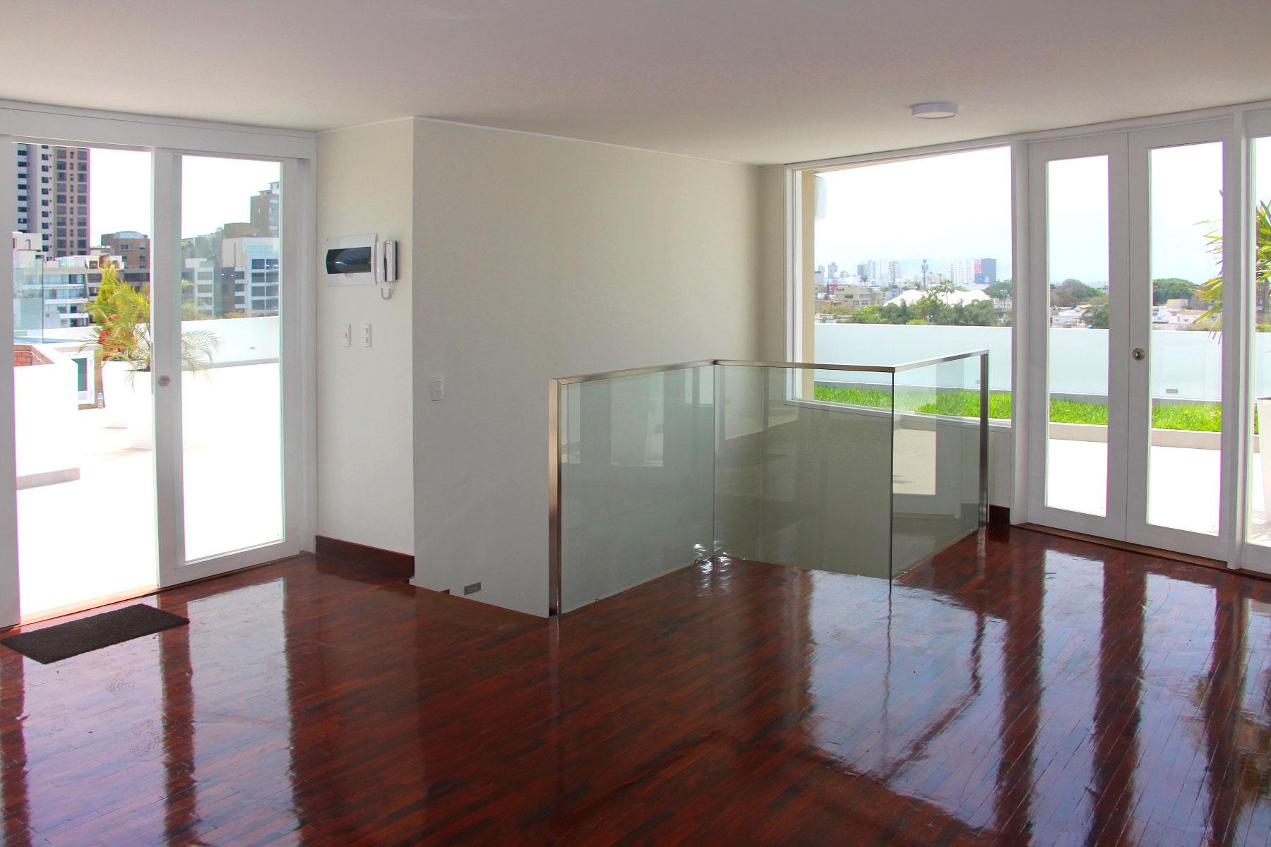 Appartamento per Vendita alle ore Modern Duplex in exclusive area of San Isidro Av. Alberto del Campo, San Isidro, Lima, 27 Peru