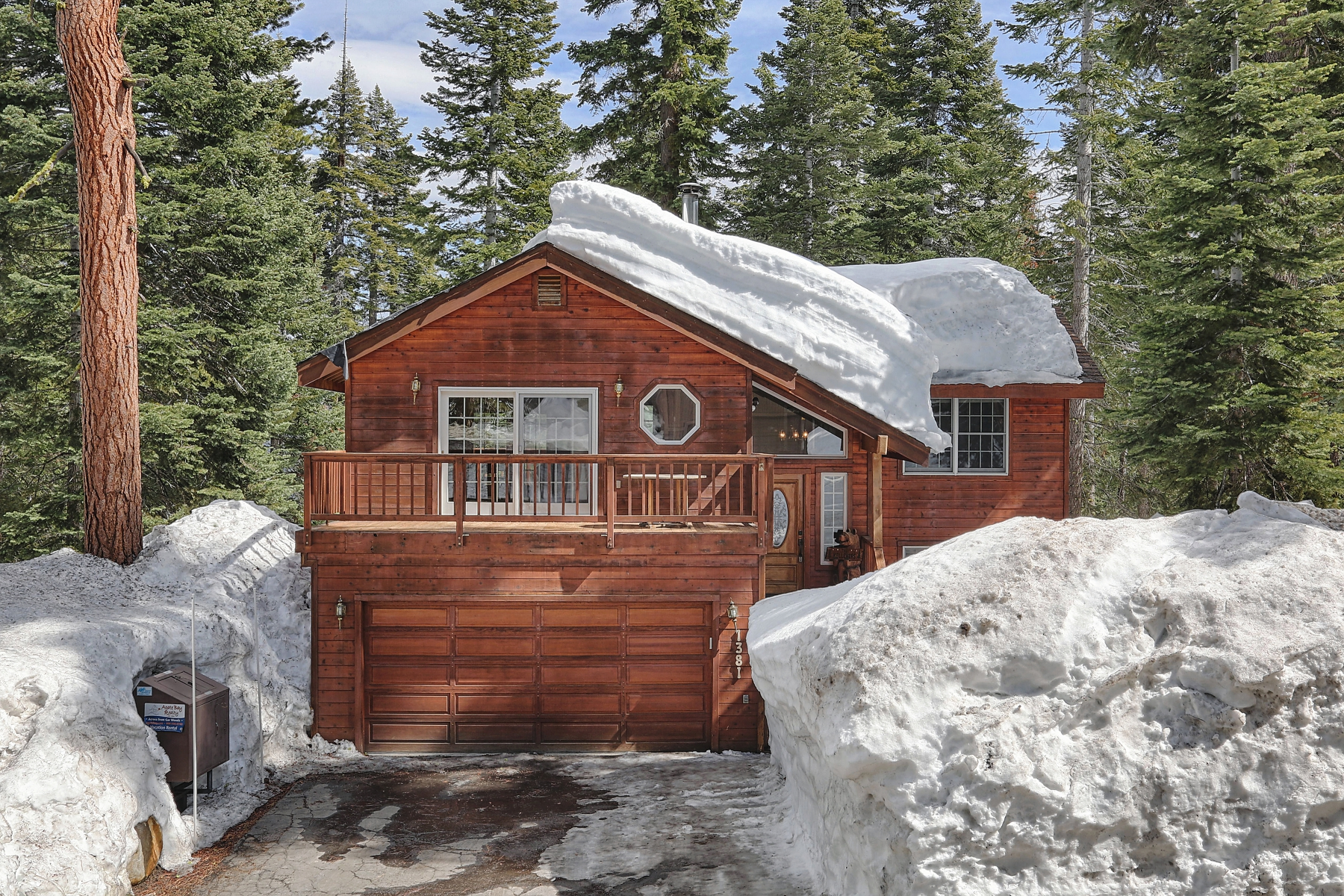 Maison unifamiliale pour l Vente à 1381 Kings Vista Court Tahoe Vista, Californie, 96148 États-Unis
