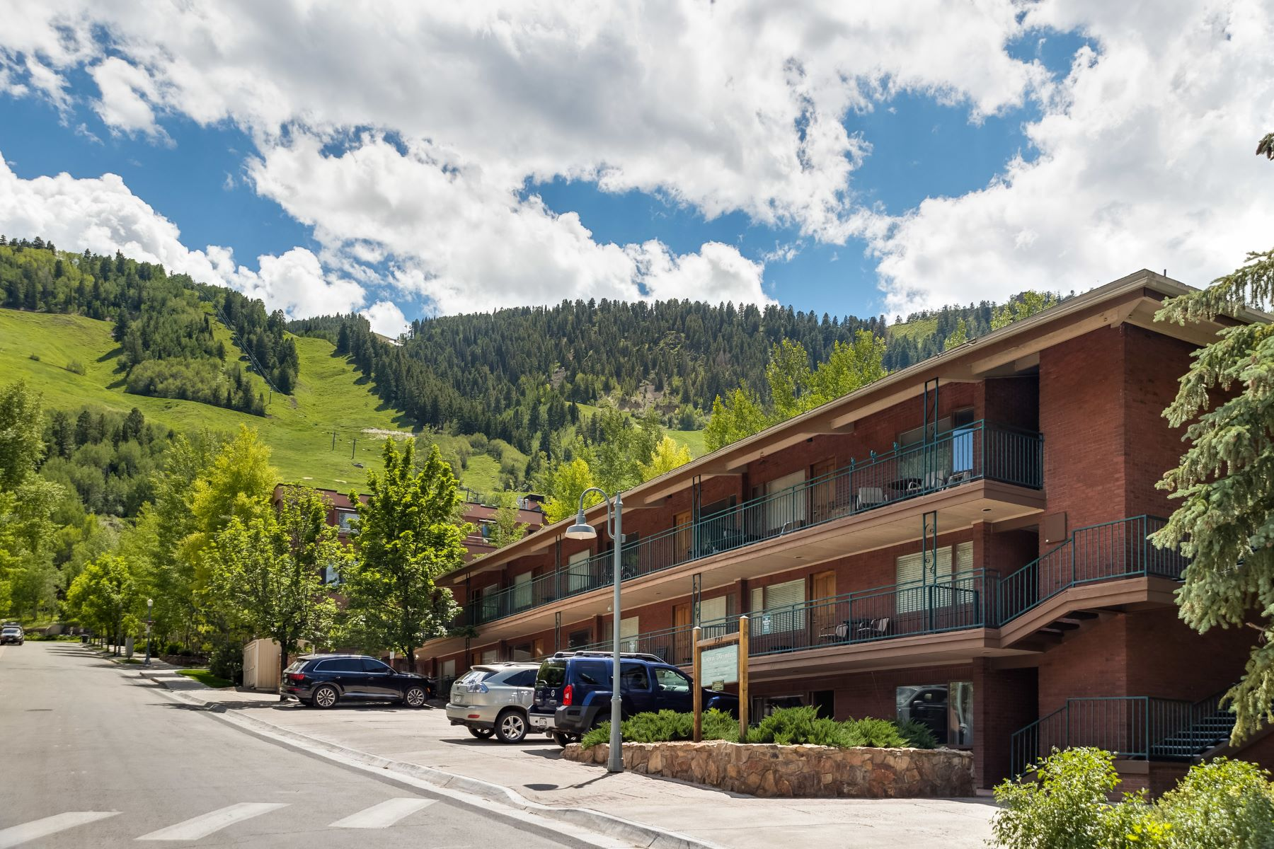 Condominio por un Venta en Ski-In Aspen Mountain 731 S Mill Street #1A Aspen, Colorado, 81611 Estados Unidos