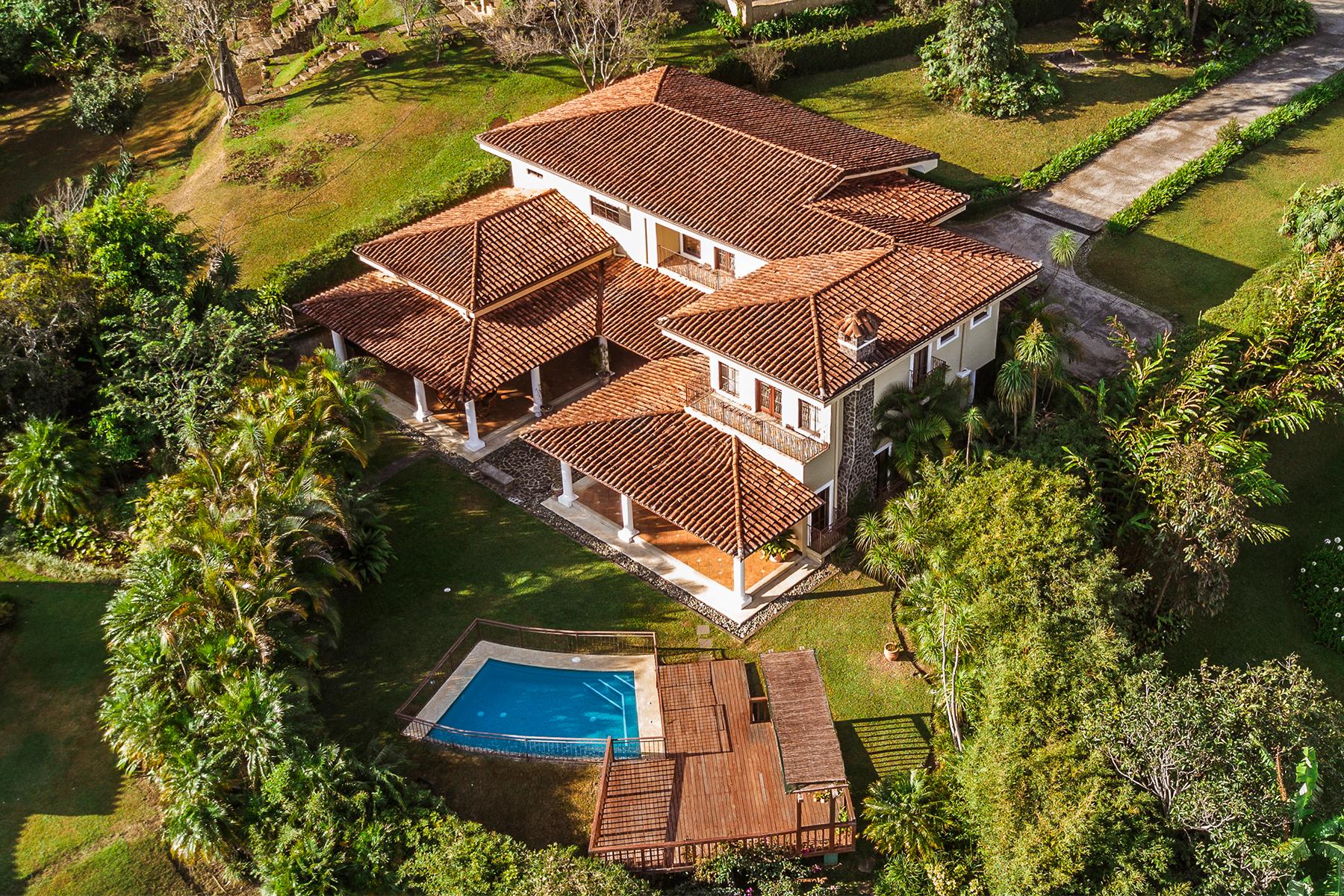 다가구 주택 용 매매 에 Bella Vista Mountain Residence Escazu, 산 호세, 코스타리카