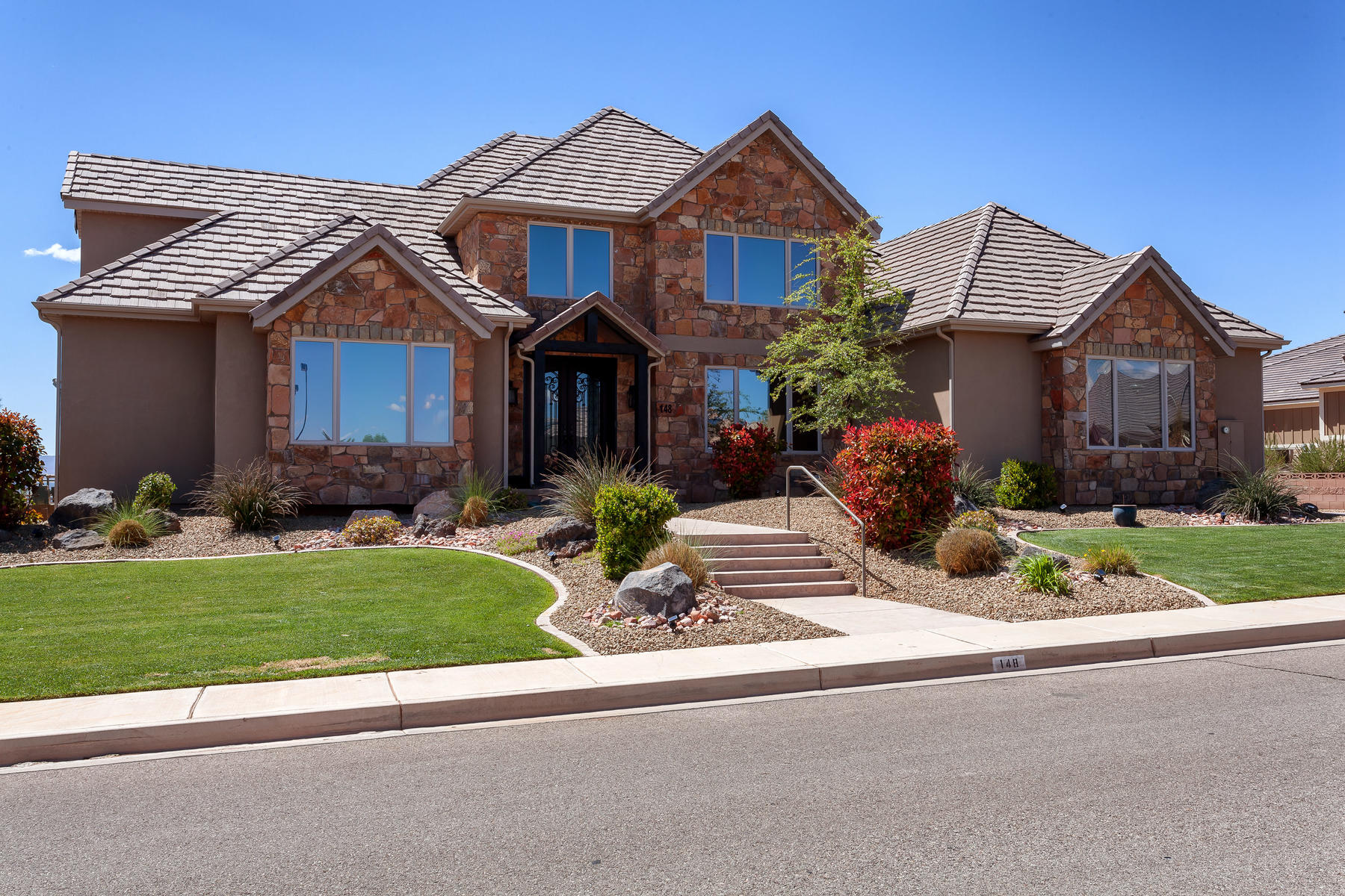 Single Family Home for Sale at Grand View of St. George and Surrounding Mountains 148 South Eastridge Dr St. George, Utah 84790 United States