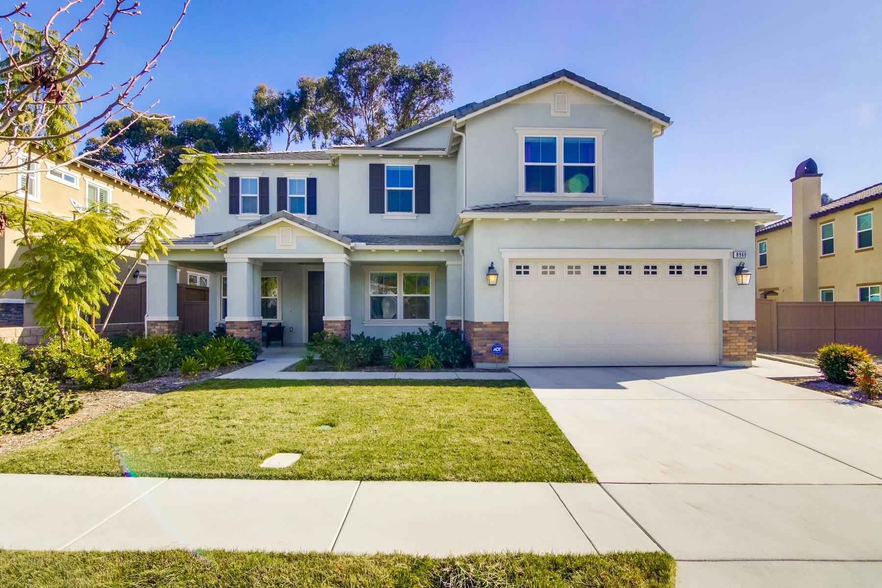 Casa Unifamiliar por un Venta en 8960 McKinley Ct 8960 McKinley Court La Mesa, California 91941 Estados Unidos