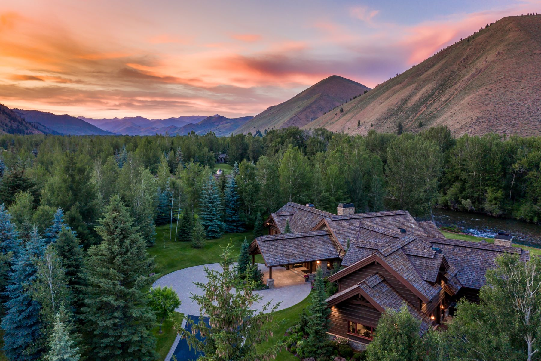 Single Family Homes للـ Sale في On The River In Golden Eagle 180 S Golden Eagle Dr, Ketchum, Idaho 83340 United States