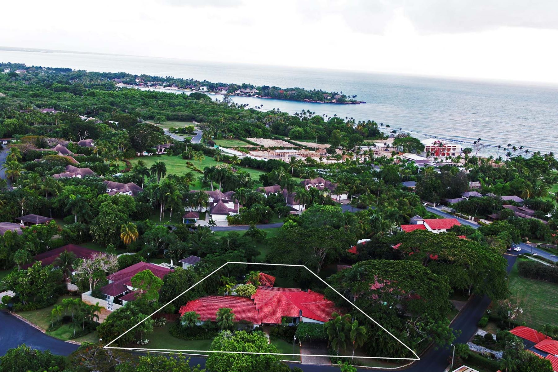 Single Family Home for Sale at One-Level home facing East and you can Walk to the Beach Casa De Campo, La Romana Dominican Republic