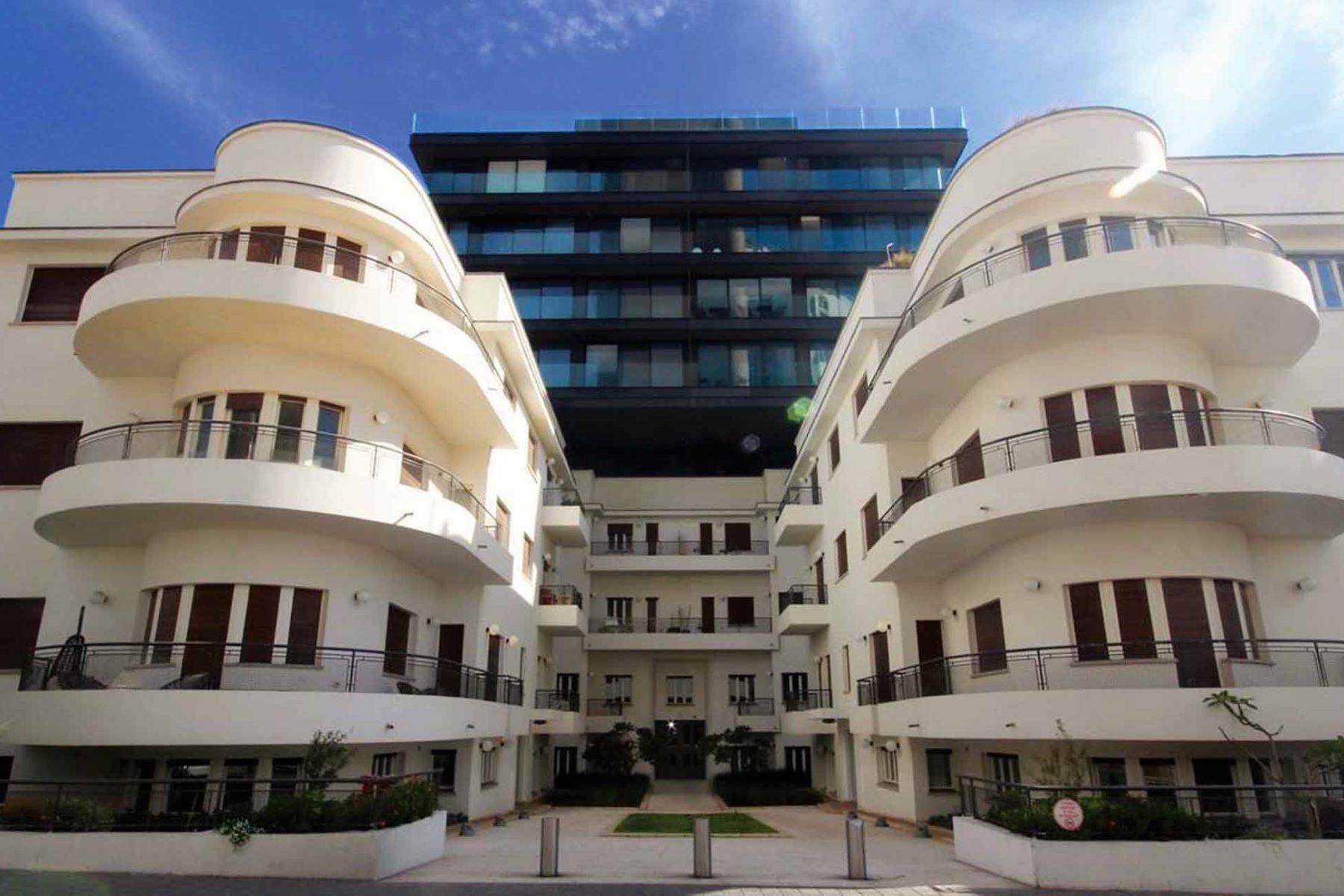 Appartement pour l Vente à Designer Apartment in Bauhaus Building near the Sea Tel Aviv, Israel Israël