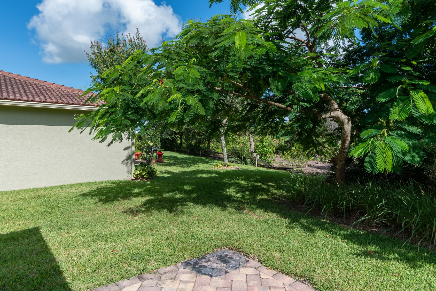Additional photo for property listing at Verolago Three Bedroom Home 4248 56th Lane Vero Beach, Florida 32967 United States